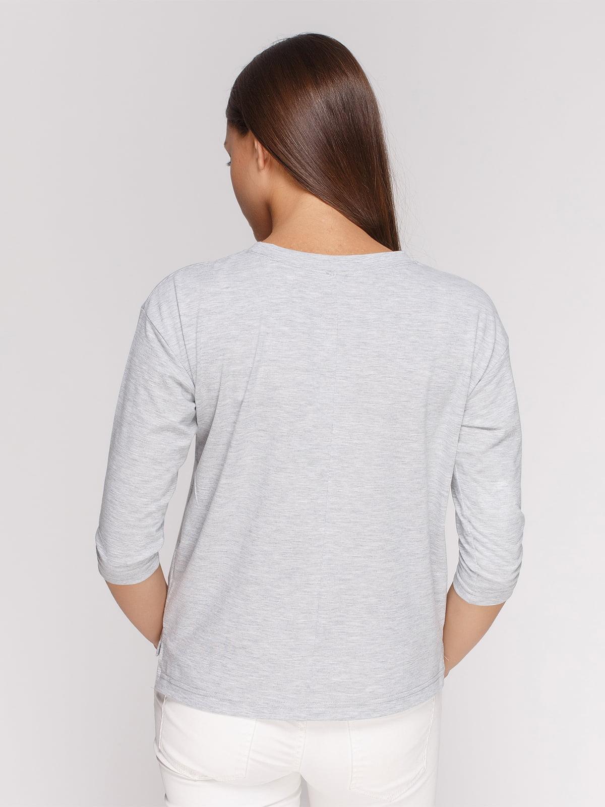 Лонгслив серый меланжевый с принтом | 4578063 | фото 2
