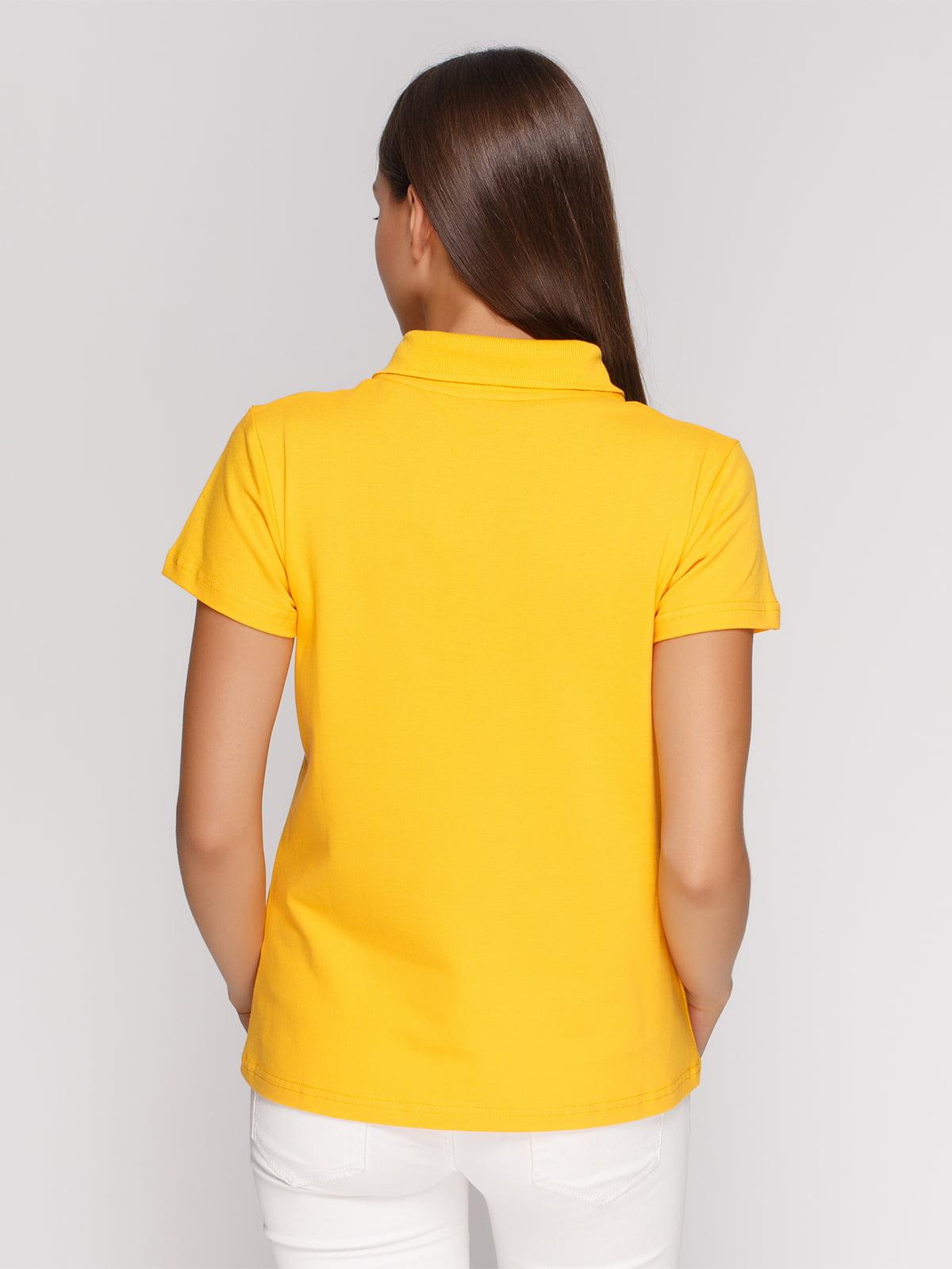 Футболка-поло желтая с принтом | 4578491 | фото 2
