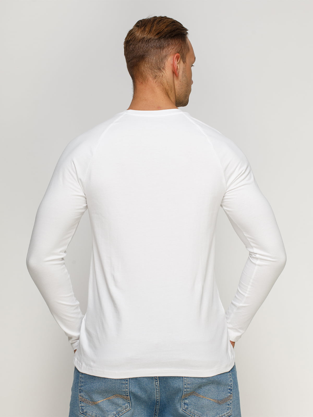 Лонгслив белый с принтом | 4578393 | фото 2