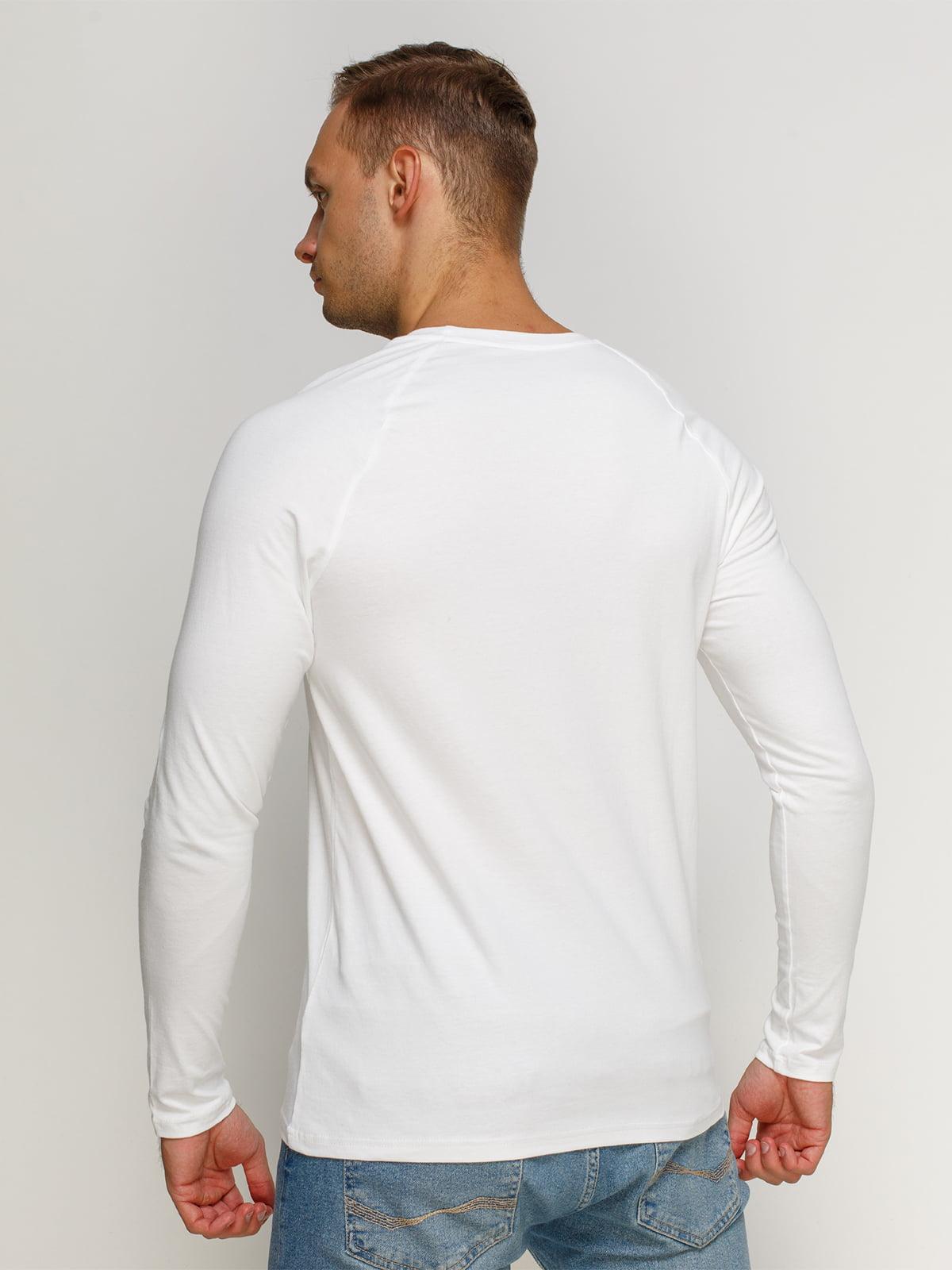 Лонгслив белый с принтом | 4578412 | фото 2