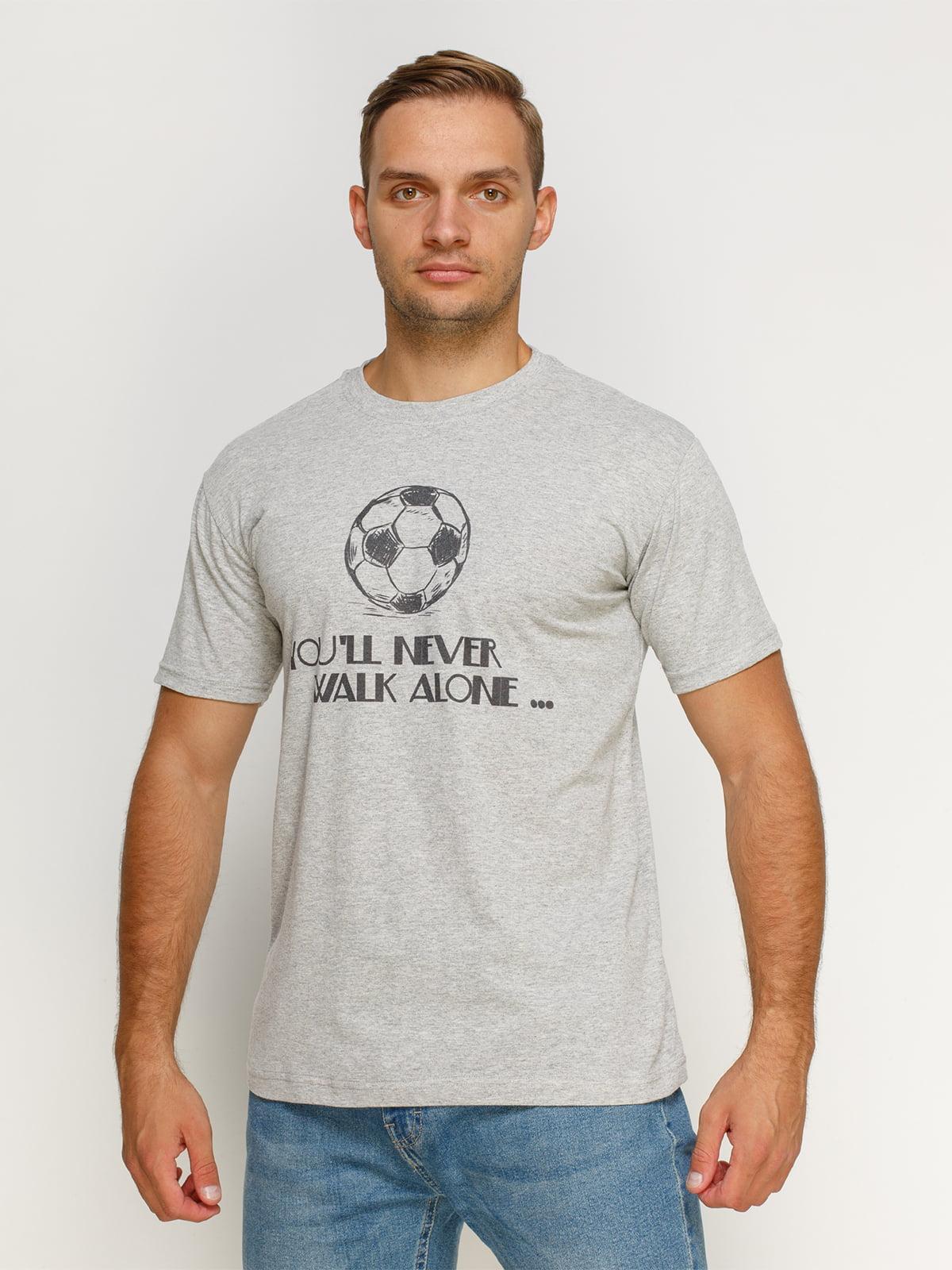 Футболка серая с принтом | 4577898