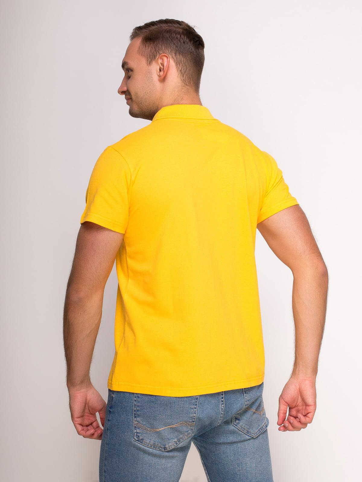 Футболка-поло желтая с принтом | 4583040 | фото 2
