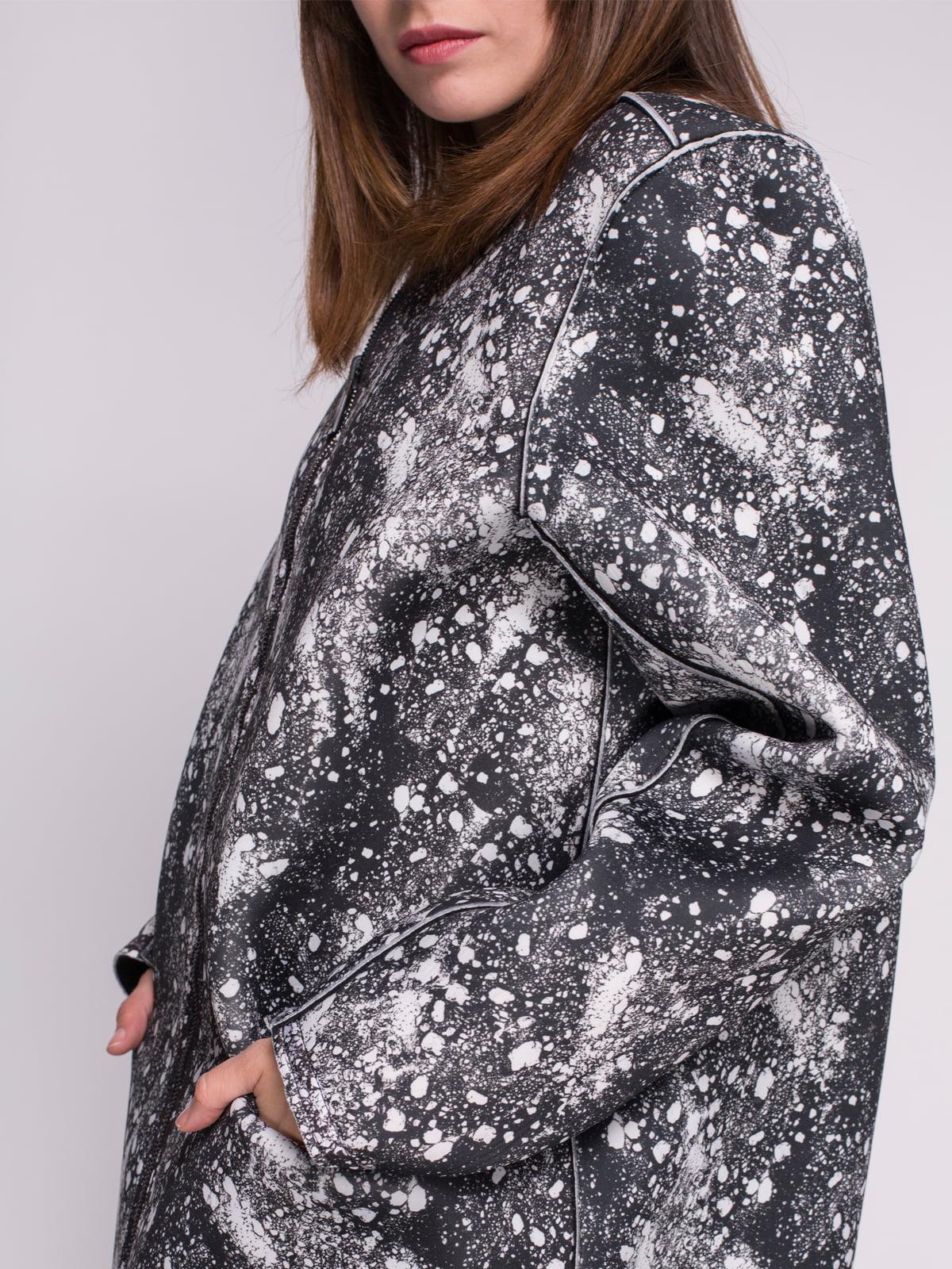Пальто черное в принт | 4456346 | фото 4