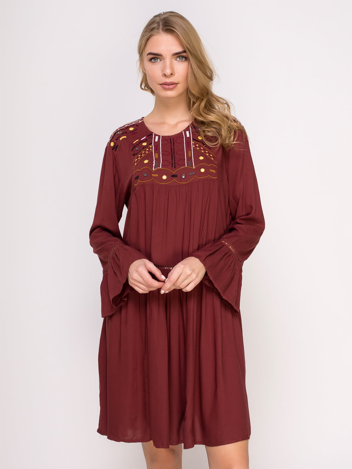Сукня цегляного кольору з вишивкою | 4621573