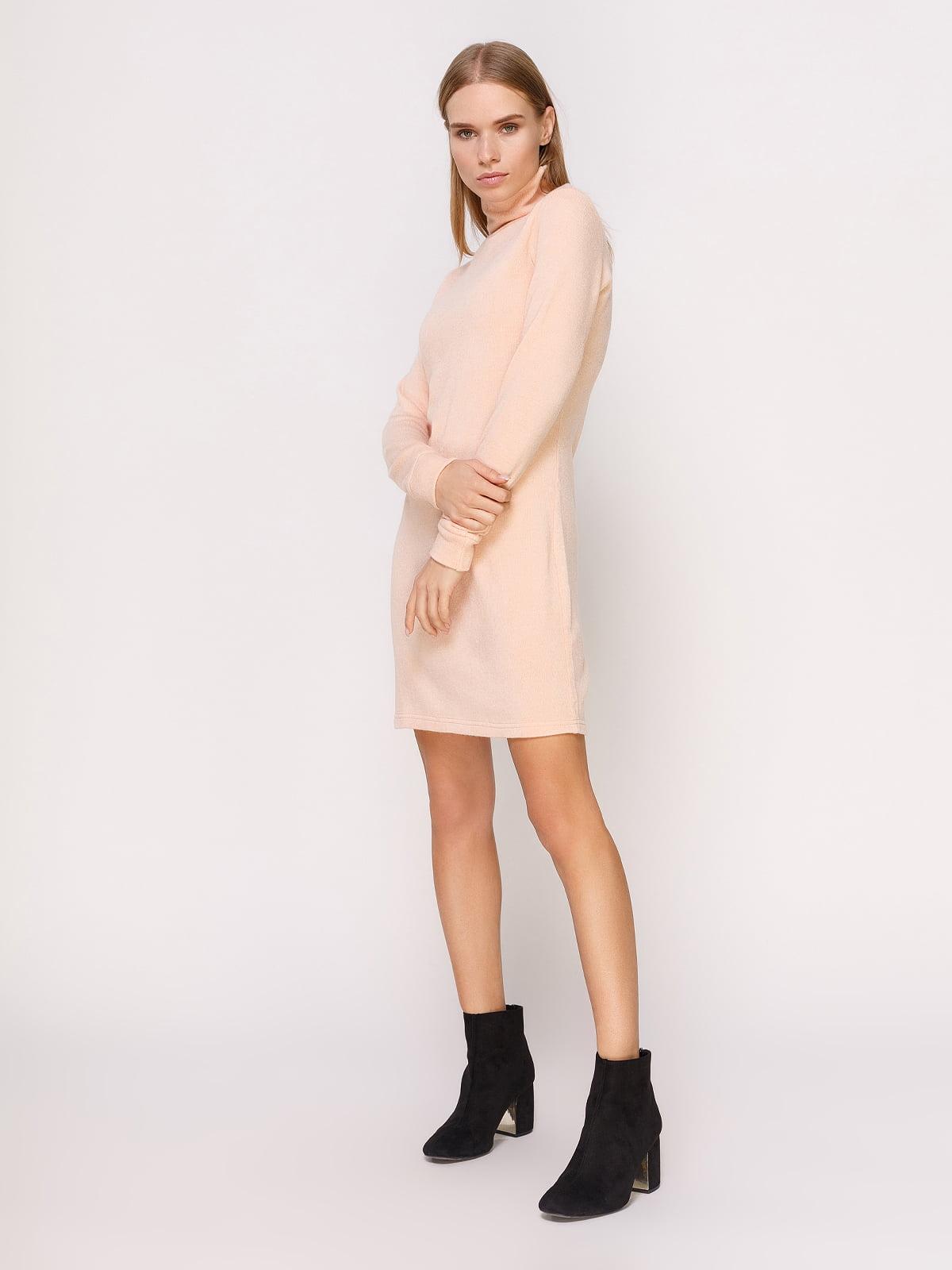 Платье-гольф пудрового цвета | 4660701
