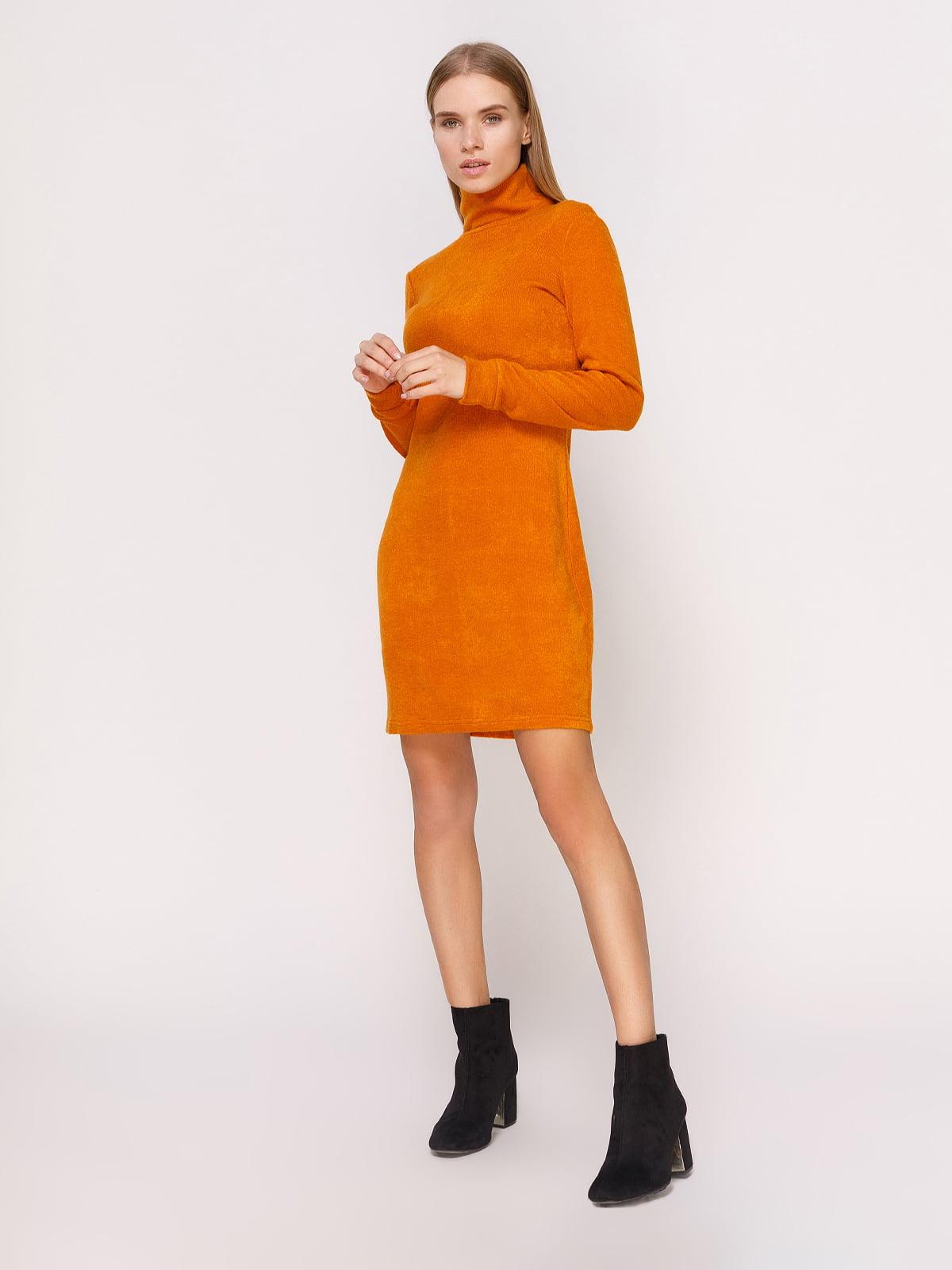 Платье-гольф горчичного цвета   4660703