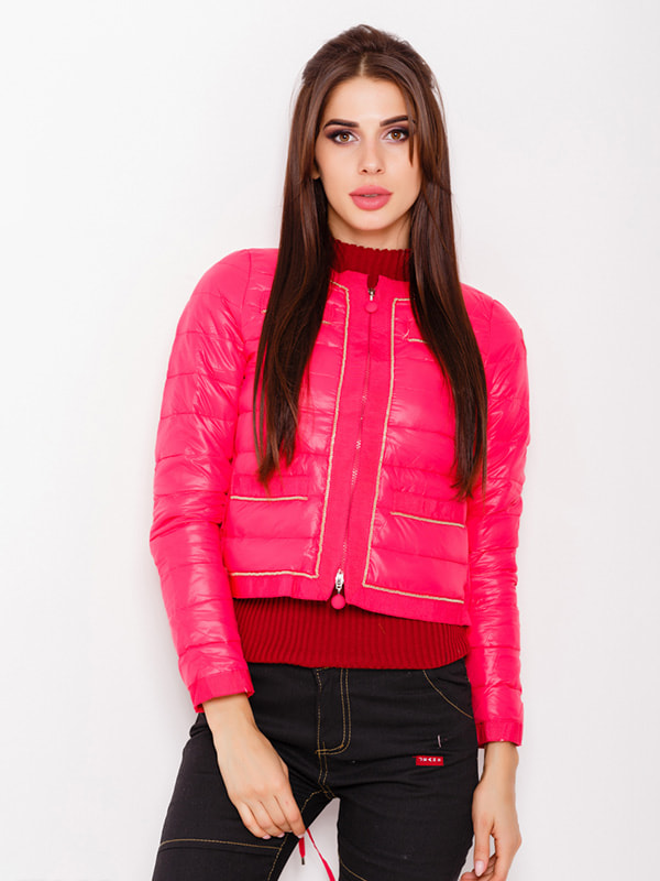 Куртка малинового цвета   4678524