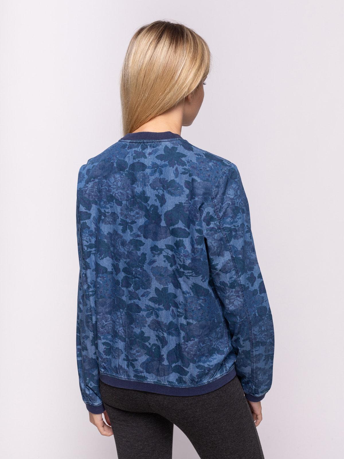 Бомбер синий в цветочный принт | 4628116 | фото 2