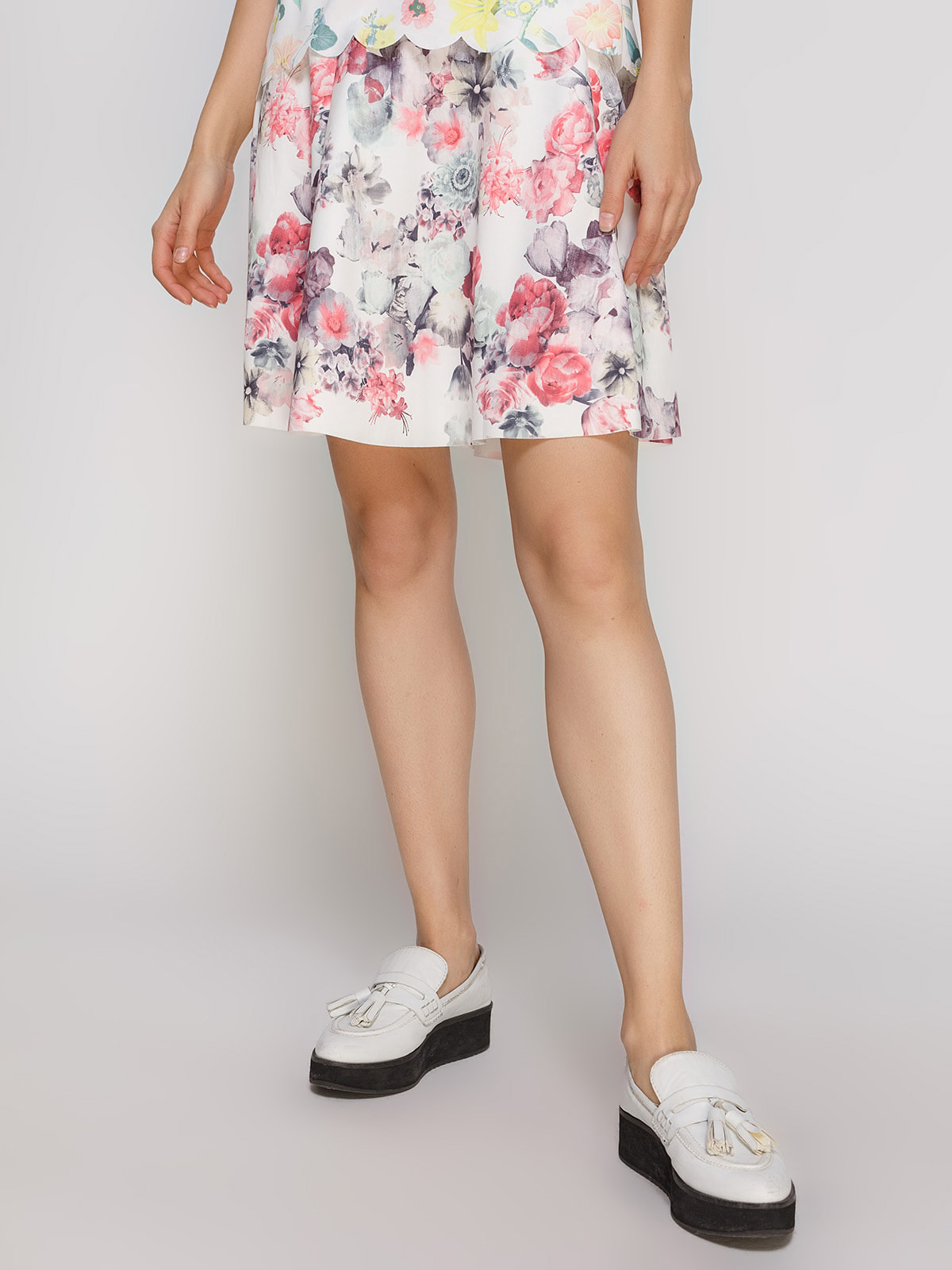 Юбка белая в цветочный принт   4631049