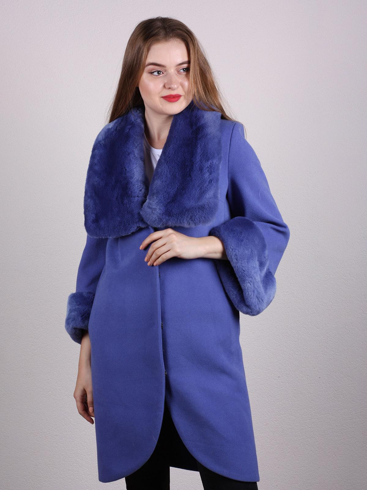 Пальто голубое | 4697592