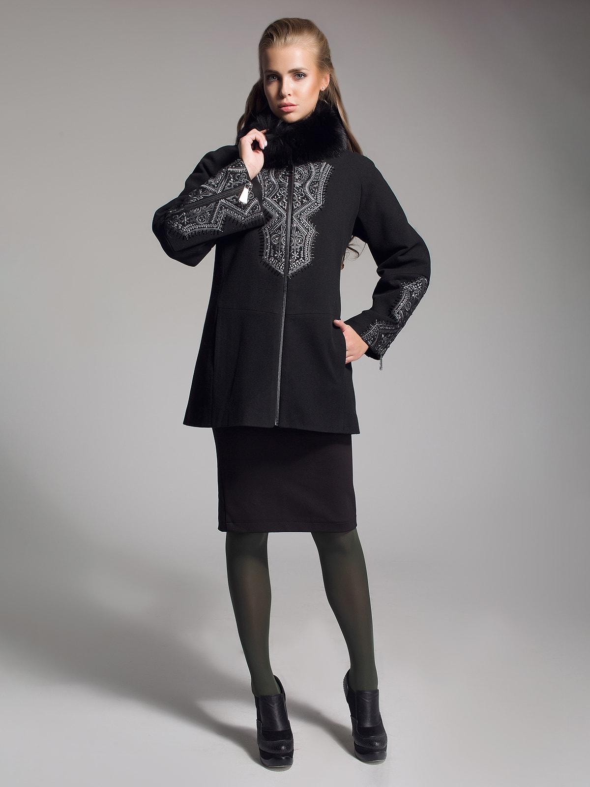 Пальто чорне з вишивкою | 4493613
