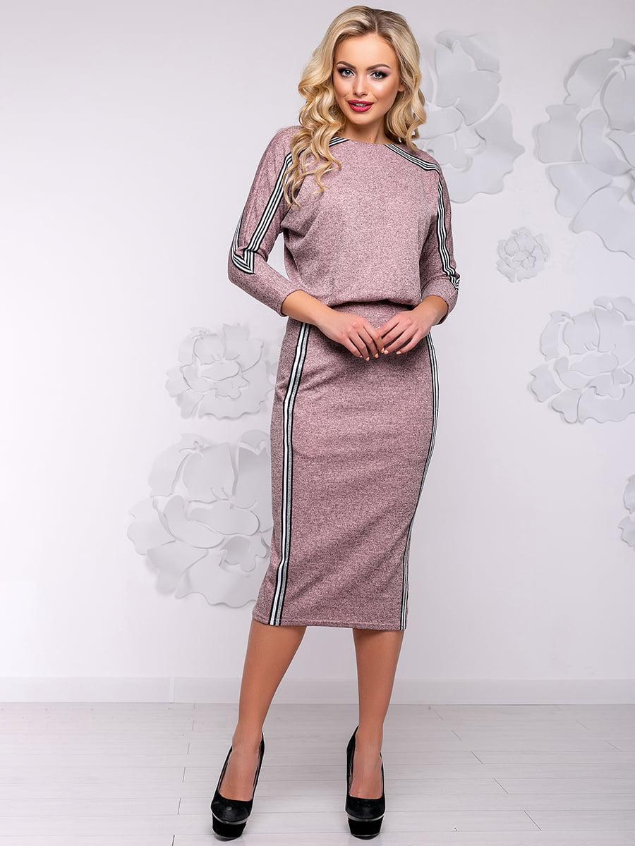 Сукня персикового кольору | 4776557