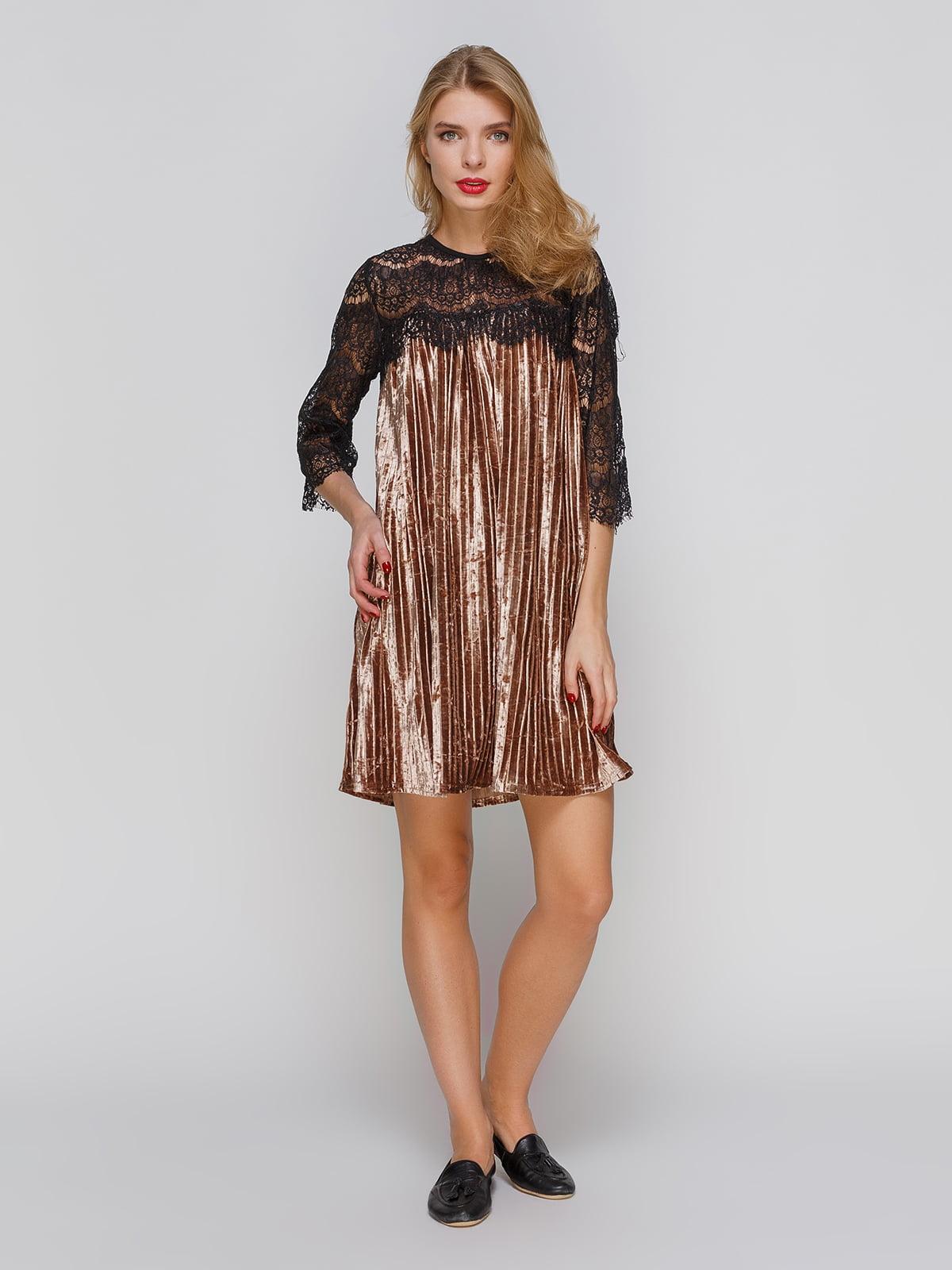 Коротка оксамитова сукня з французьким мереживом | 3778195