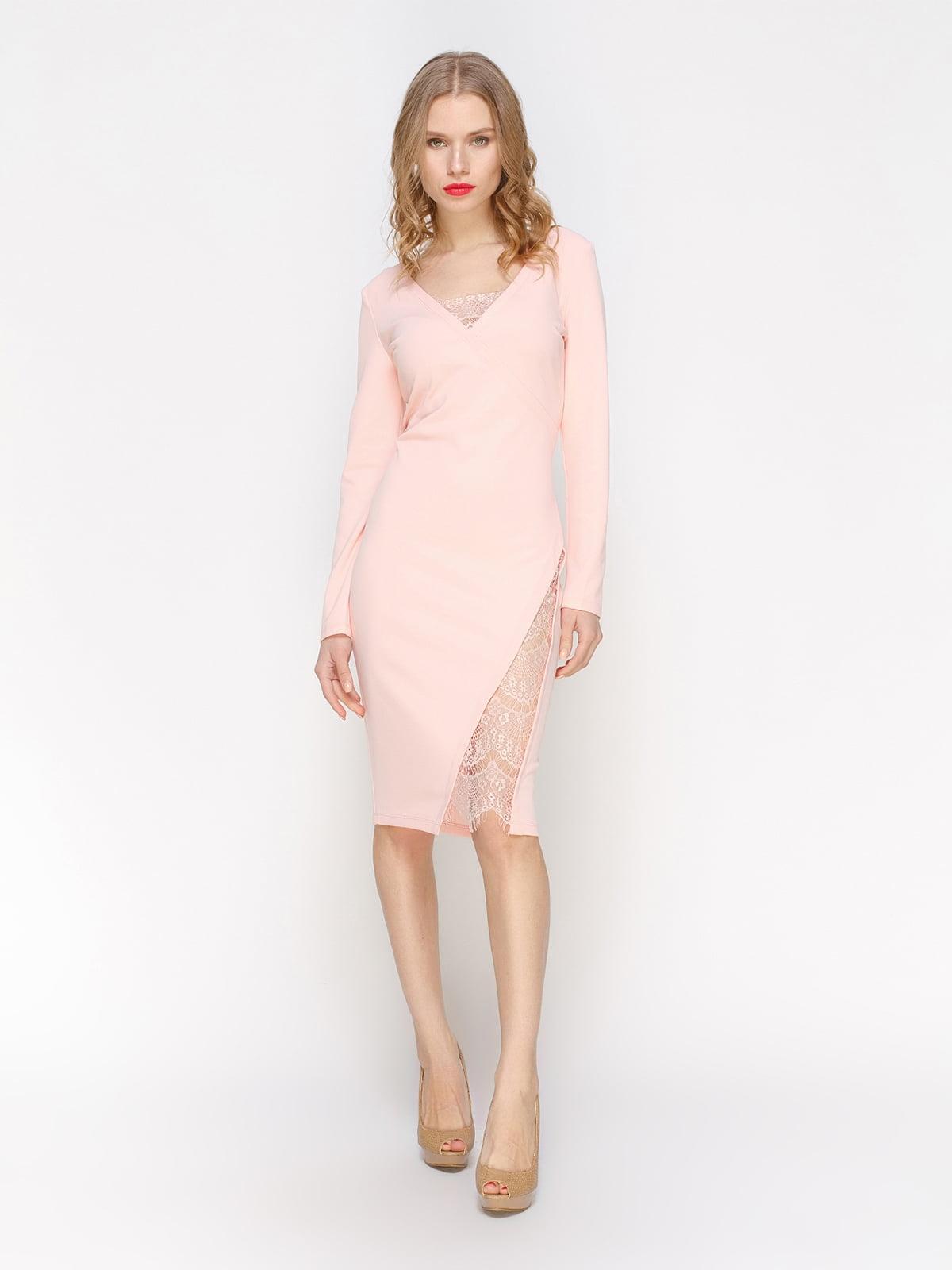 Сукня персикового кольору | 2981686
