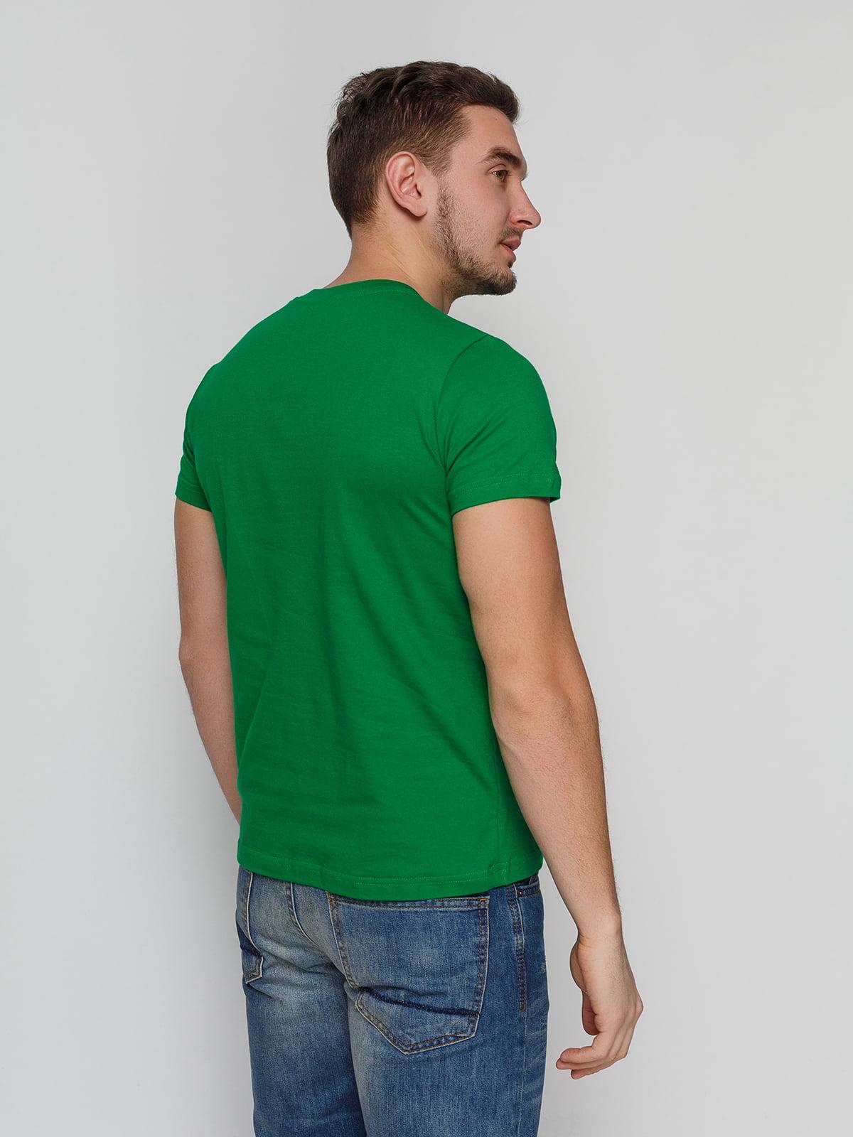 Футболка зелена з принтом | 4863555 | фото 2