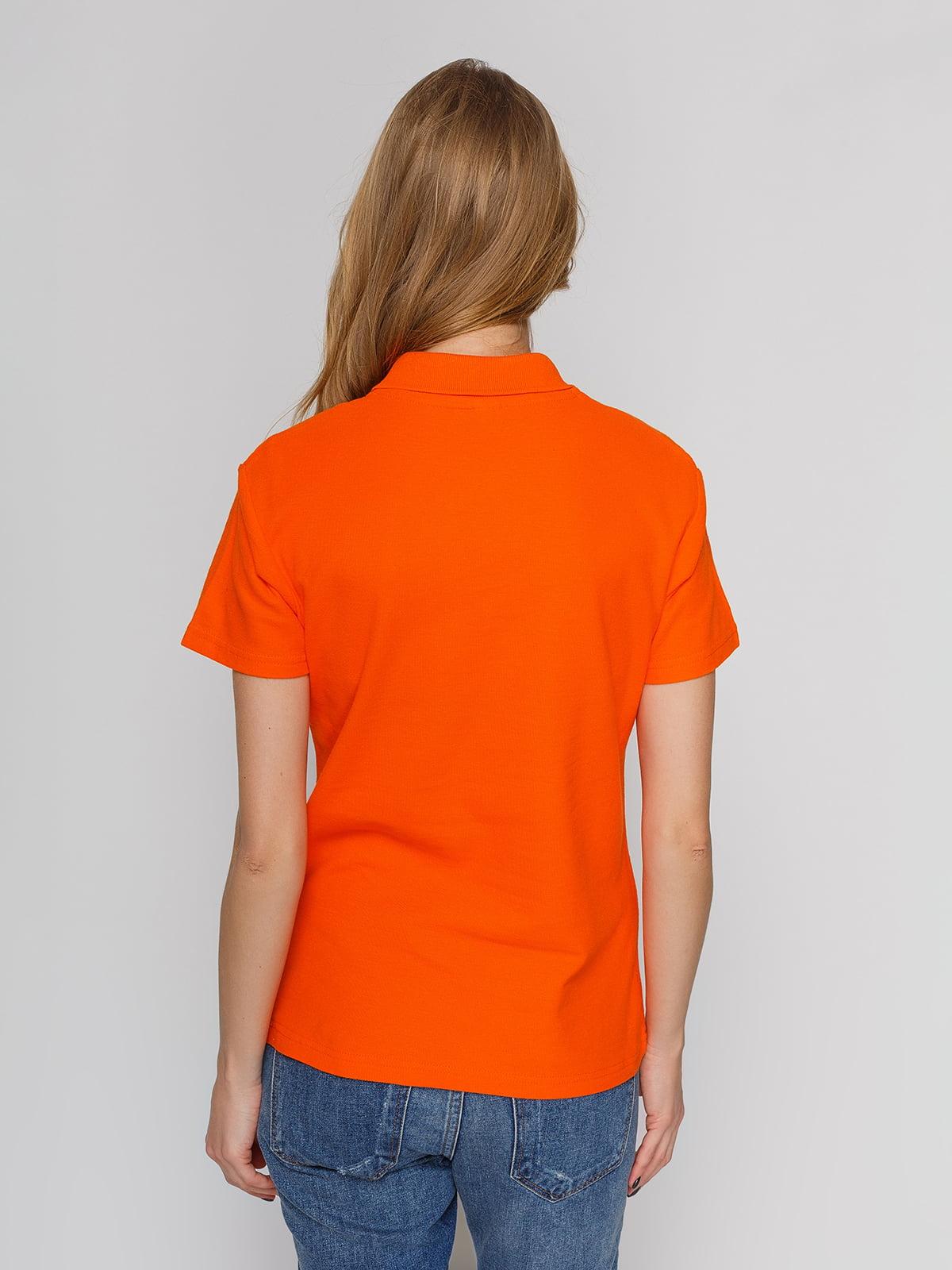 Футболка-поло оранжевая с принтом | 4861803 | фото 2