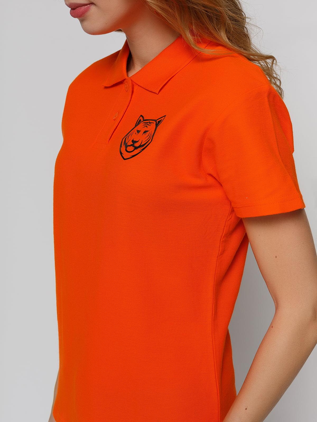 Футболка-поло оранжевая с принтом | 4861803 | фото 3