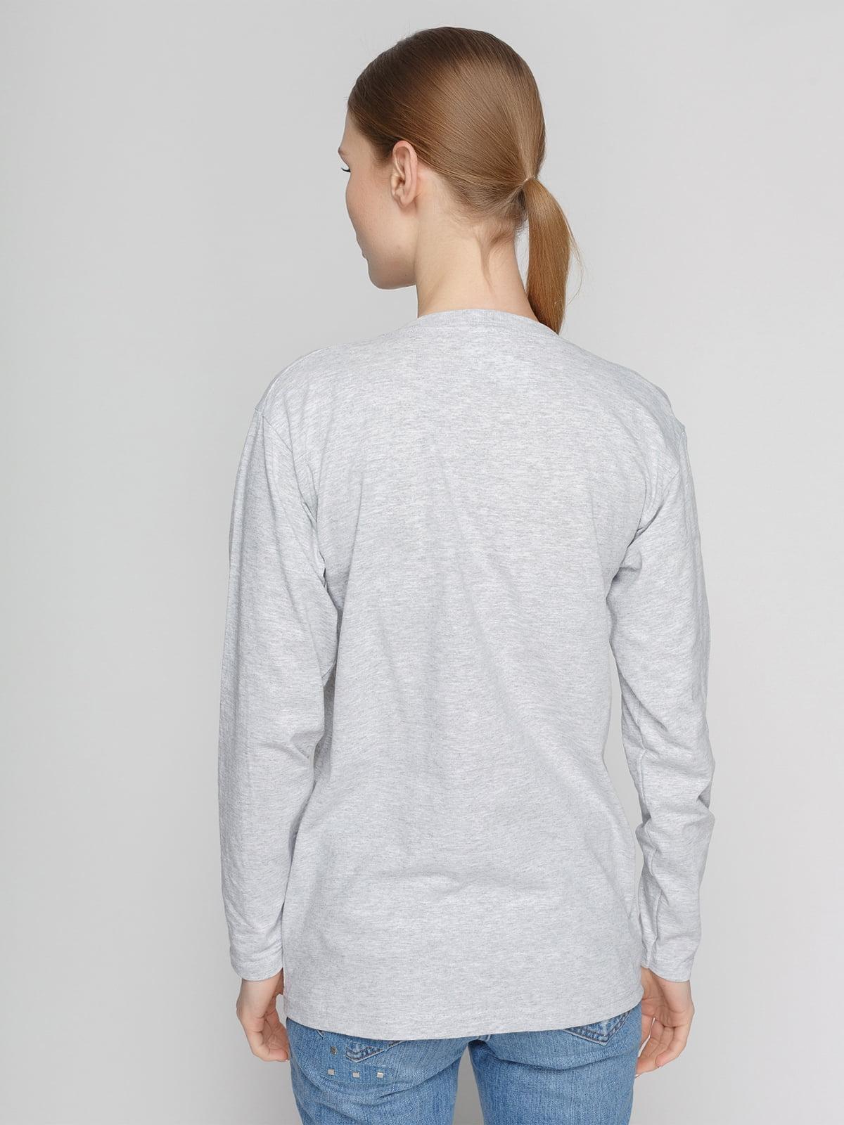 Лонгслив серый с принтом   4861826   фото 2