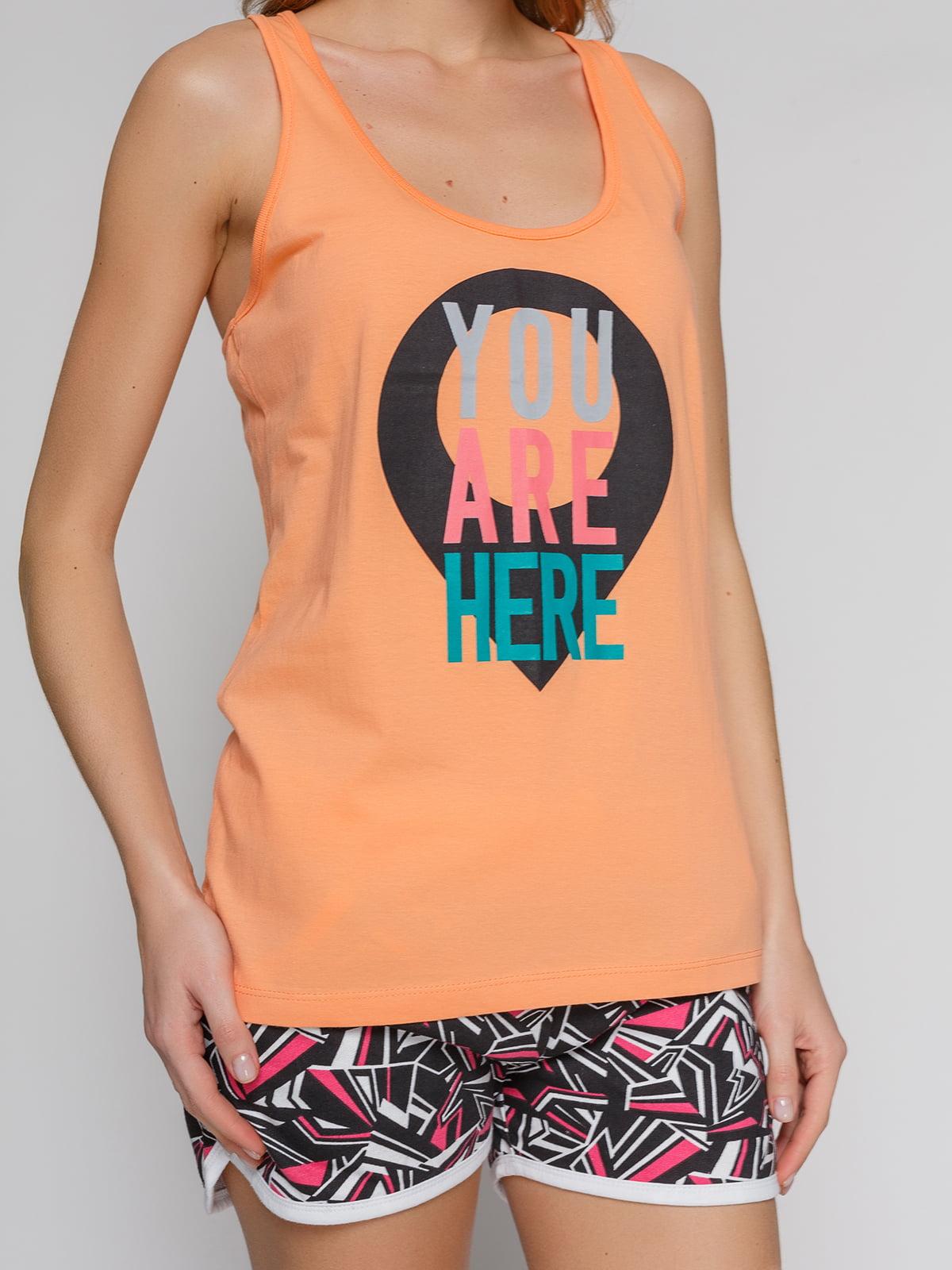Майка оранжевая с принтом | 4855122 | фото 3