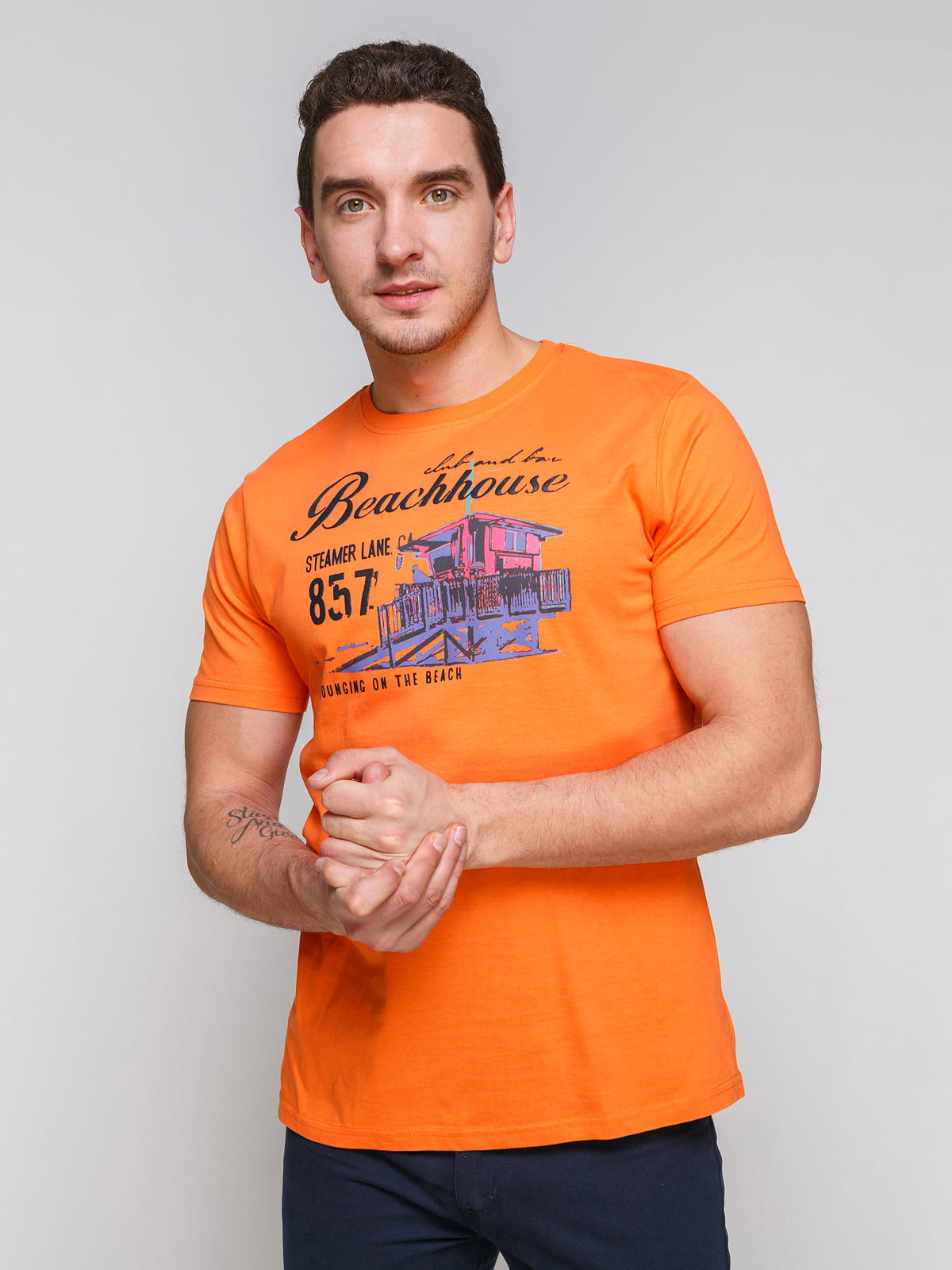 Футболка помаранчева з принтом | 4854935