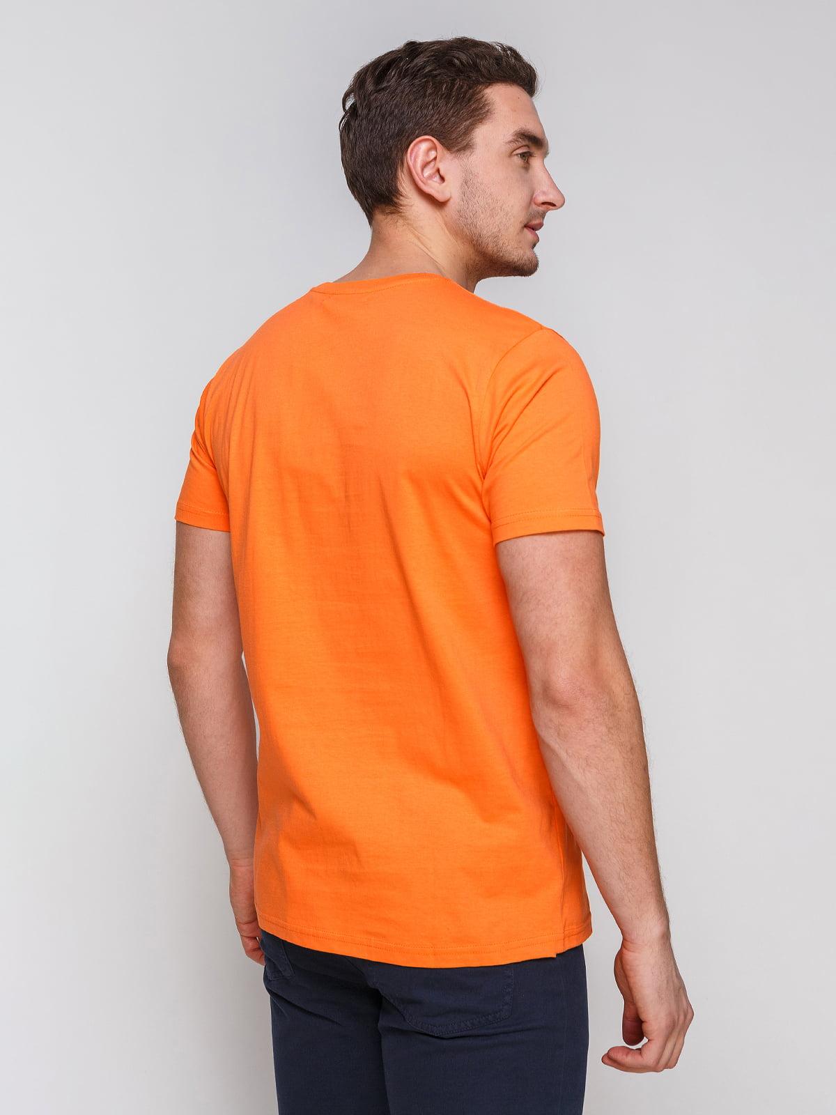 Футболка помаранчева з принтом | 4854935 | фото 2