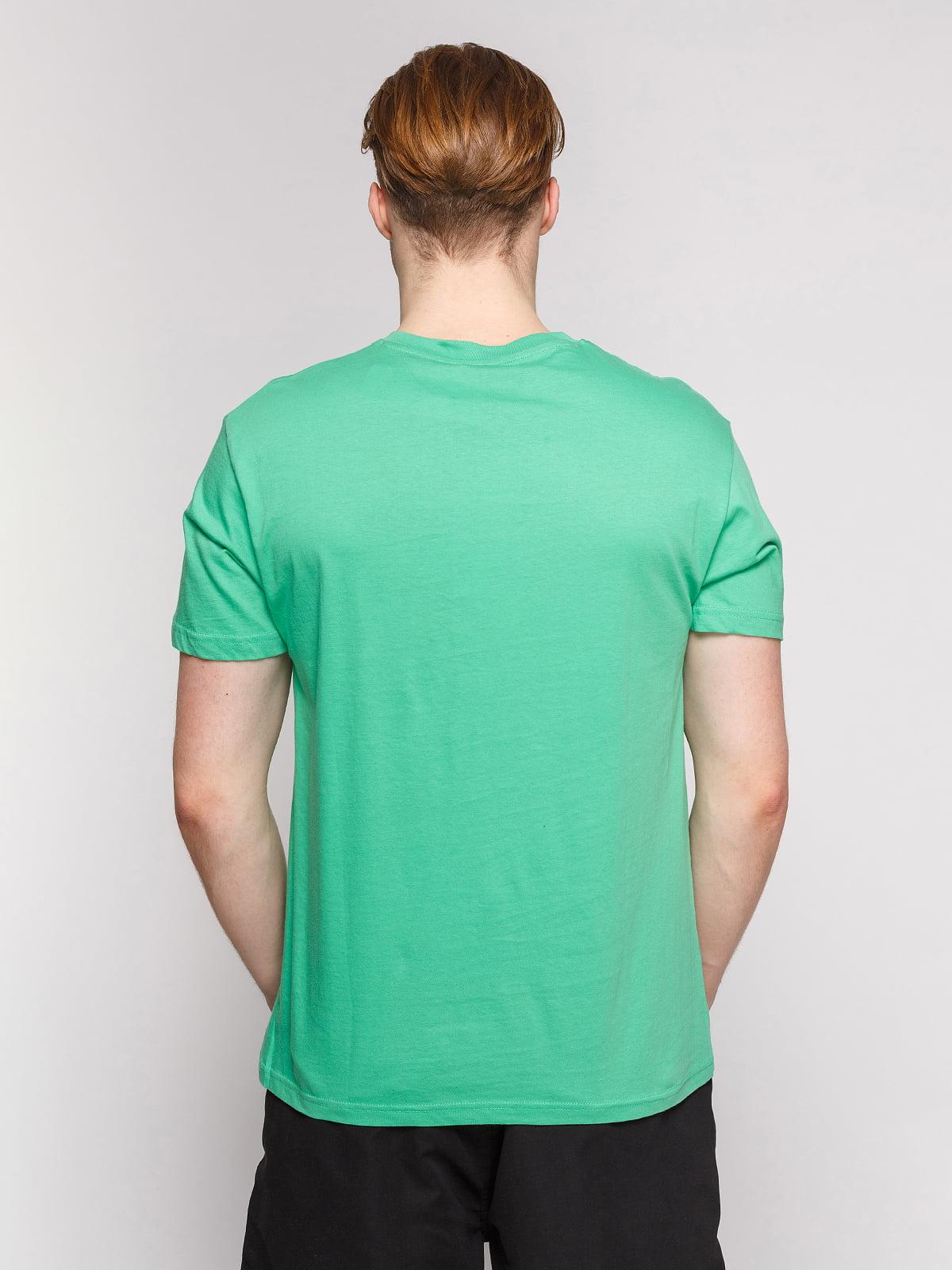 Футболка світло-зелена з принтом | 4854977 | фото 2