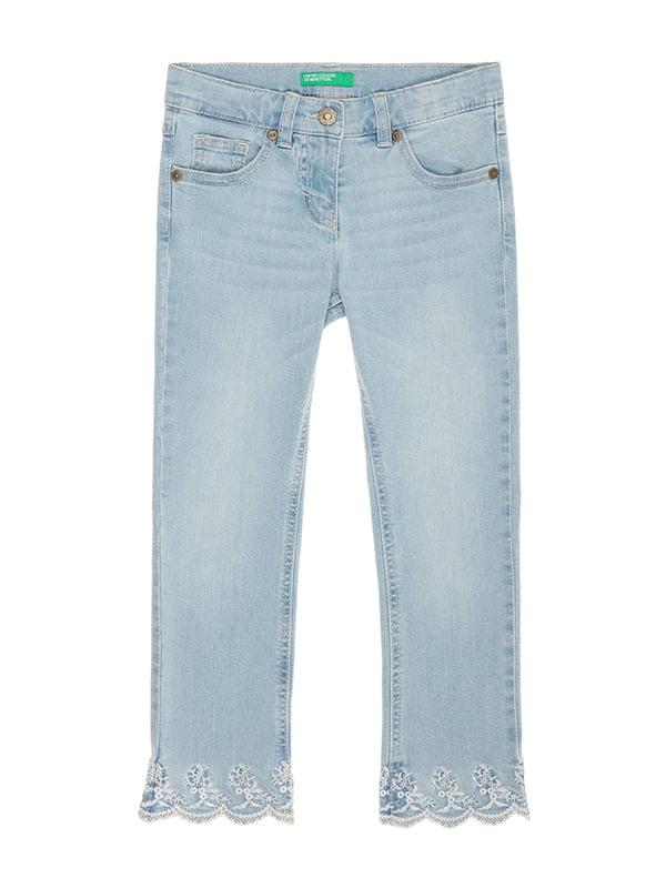 Джинсы голубые с вышивкой | 4886022