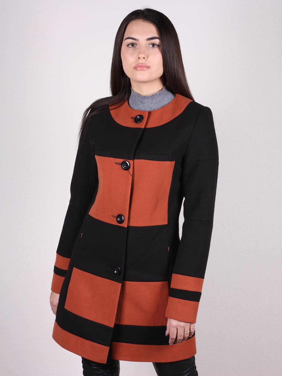 Пальто черно-кирпичного цвета   4922399