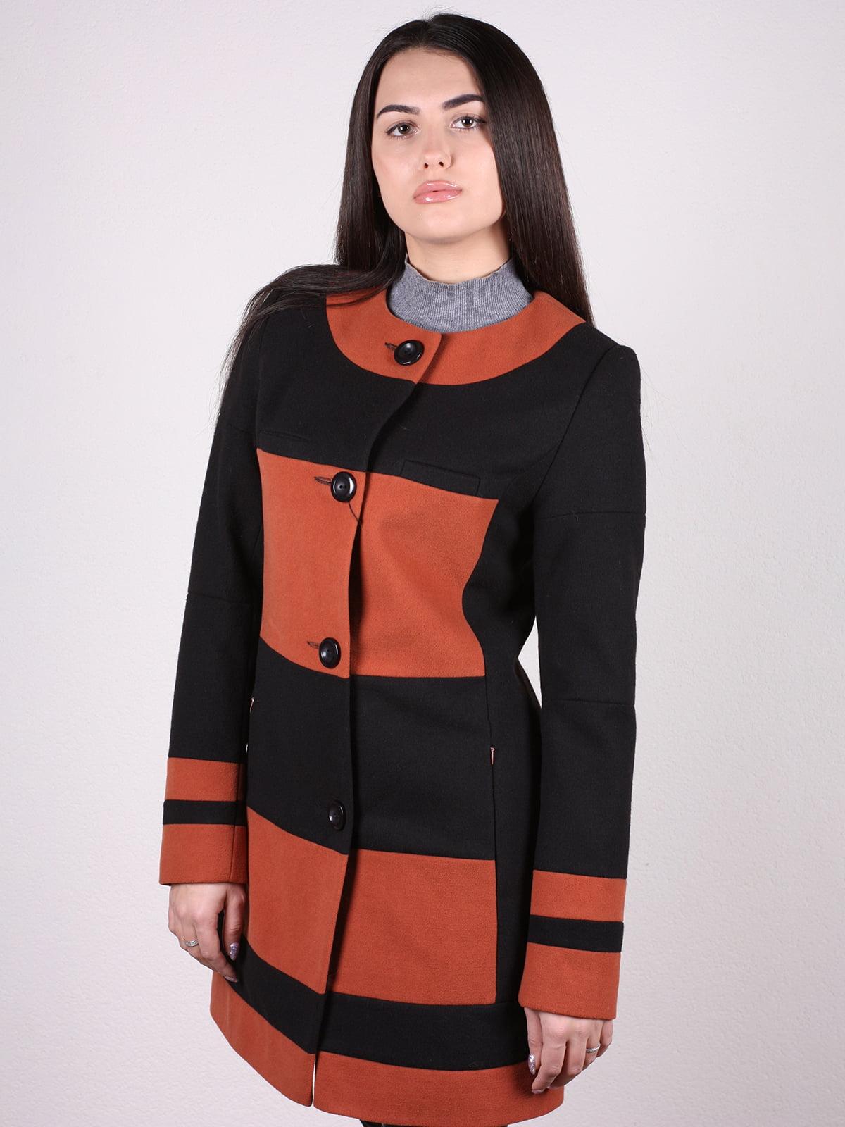 Пальто черно-кирпичного цвета   4922399   фото 2