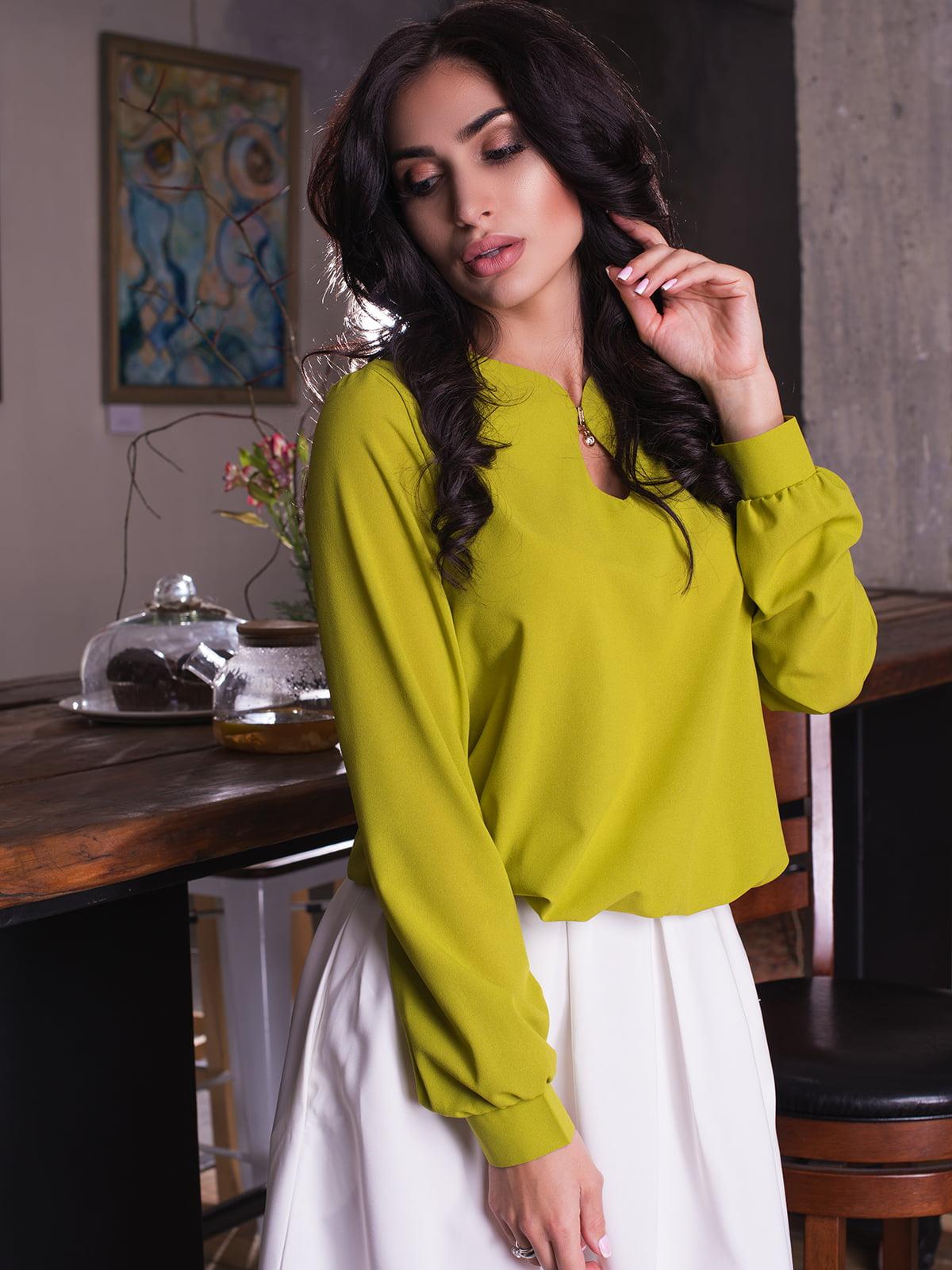 Блуза оливкового кольору | 3064319