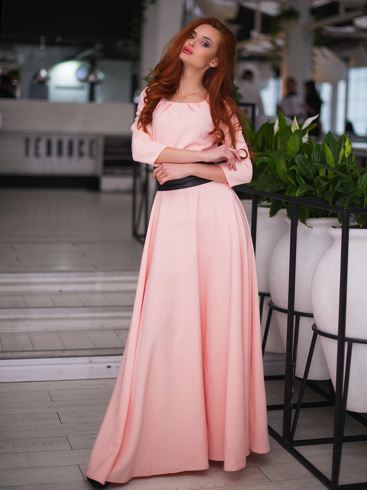 Сукня пудрового кольору | 4778545