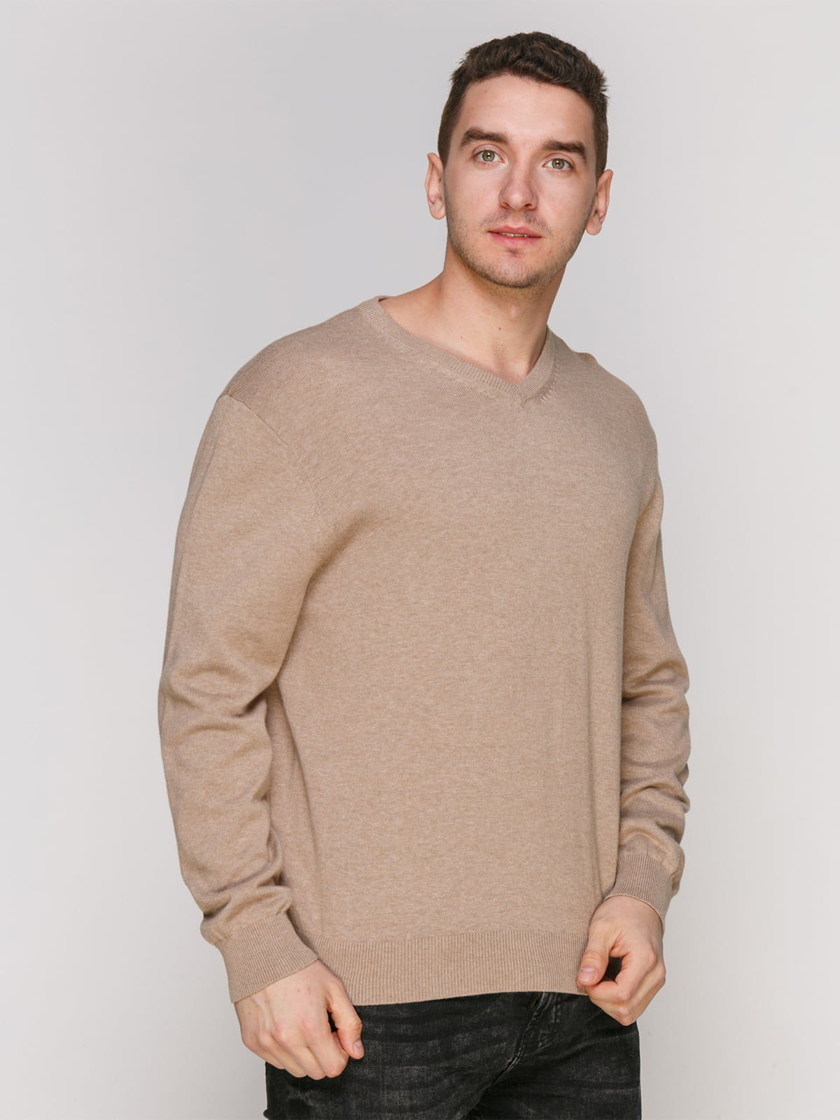 Пуловер серо-бежевого цвета   4855017
