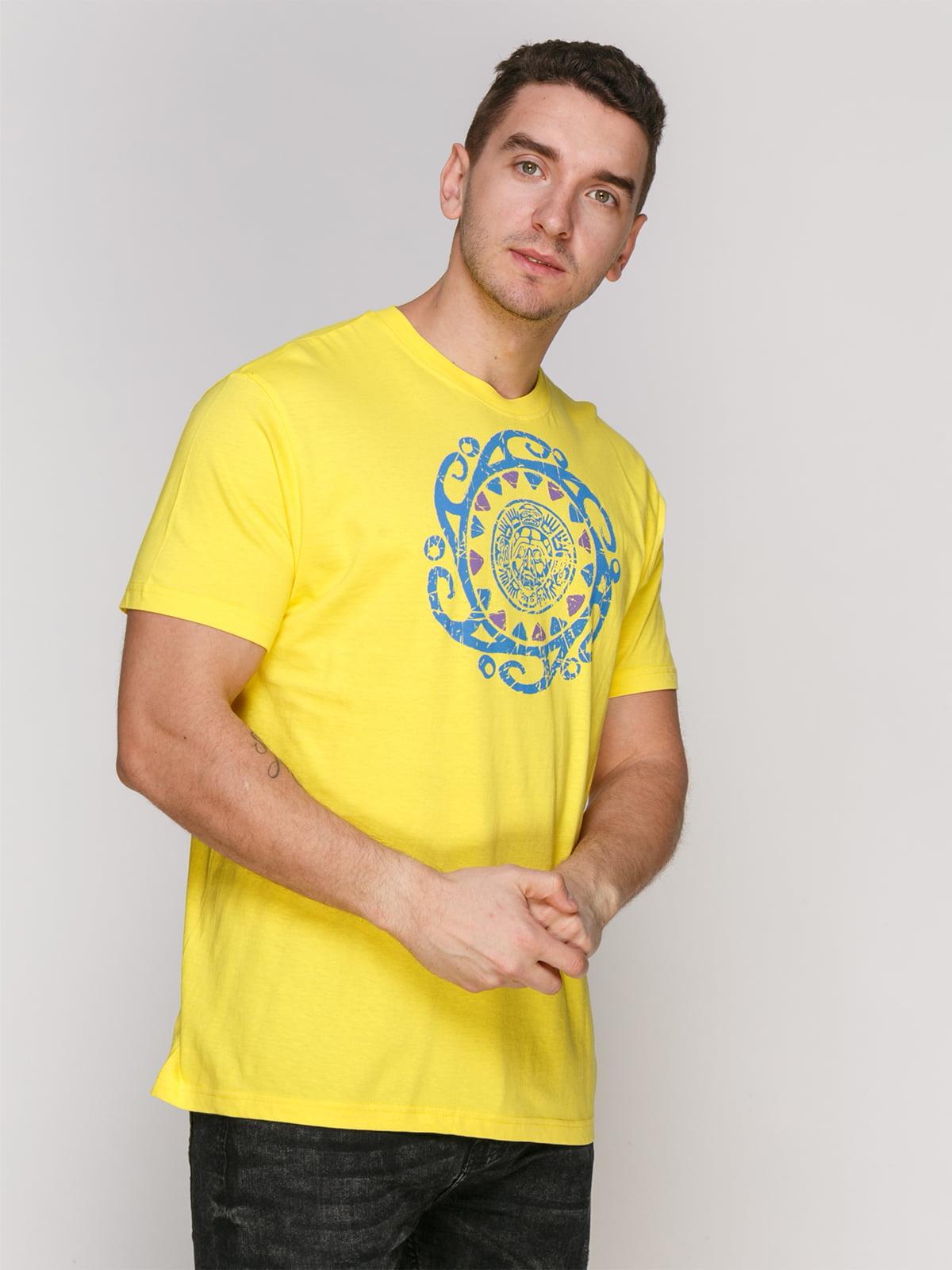Футболка жовта з принтом | 4854956