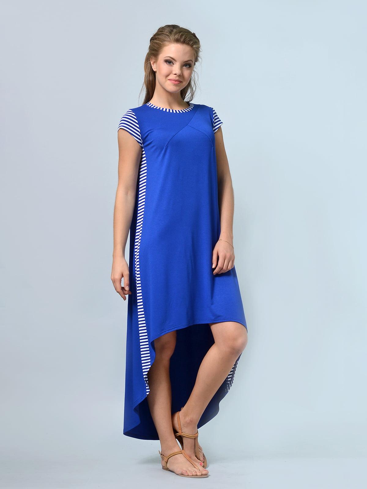 Платье цвета электрик | 4948273