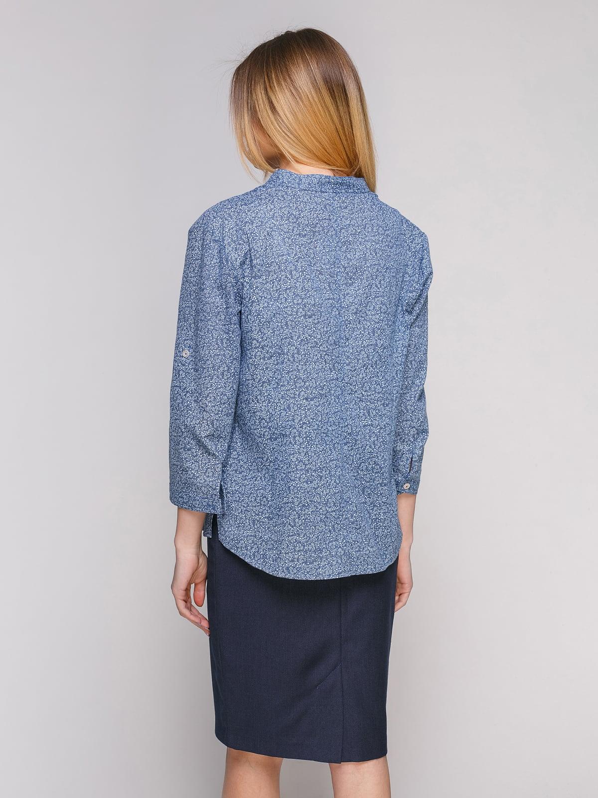 Рубашка голубая в цветочный принт | 4959232 | фото 2