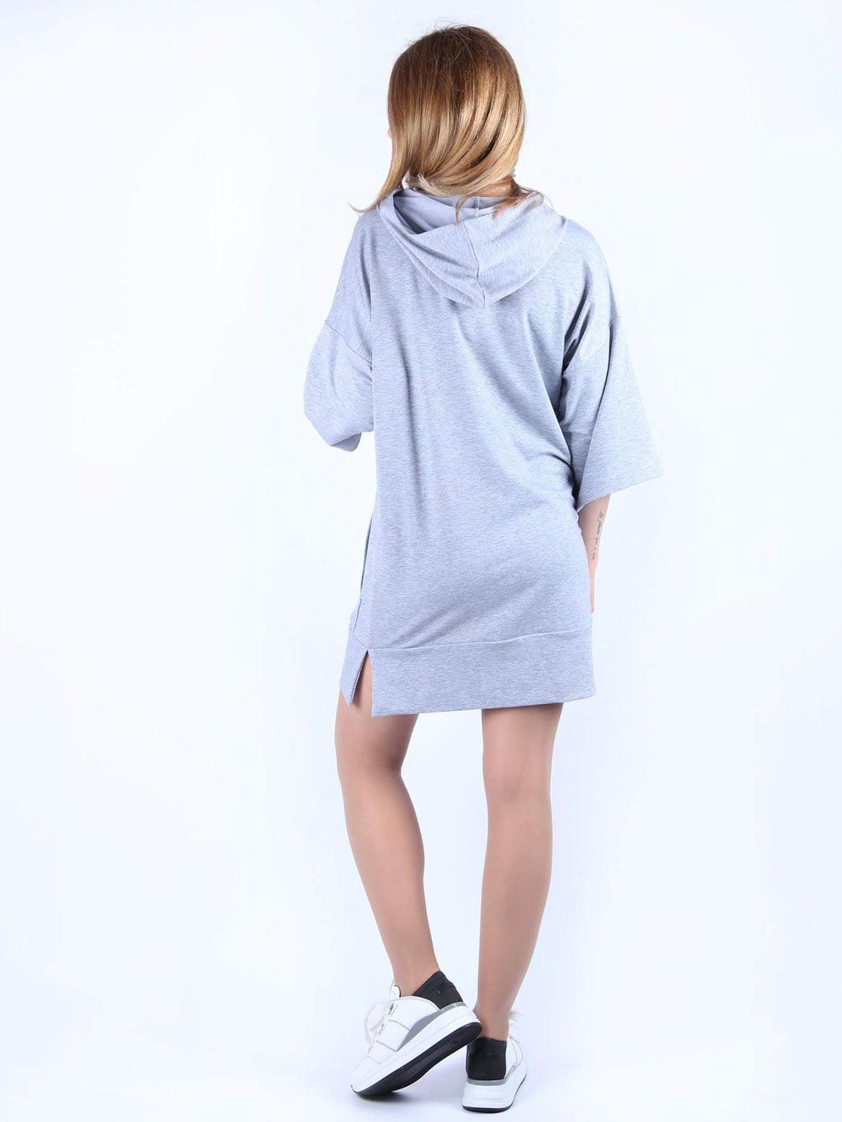 Сукня сіра з принтом   4984054   фото 2