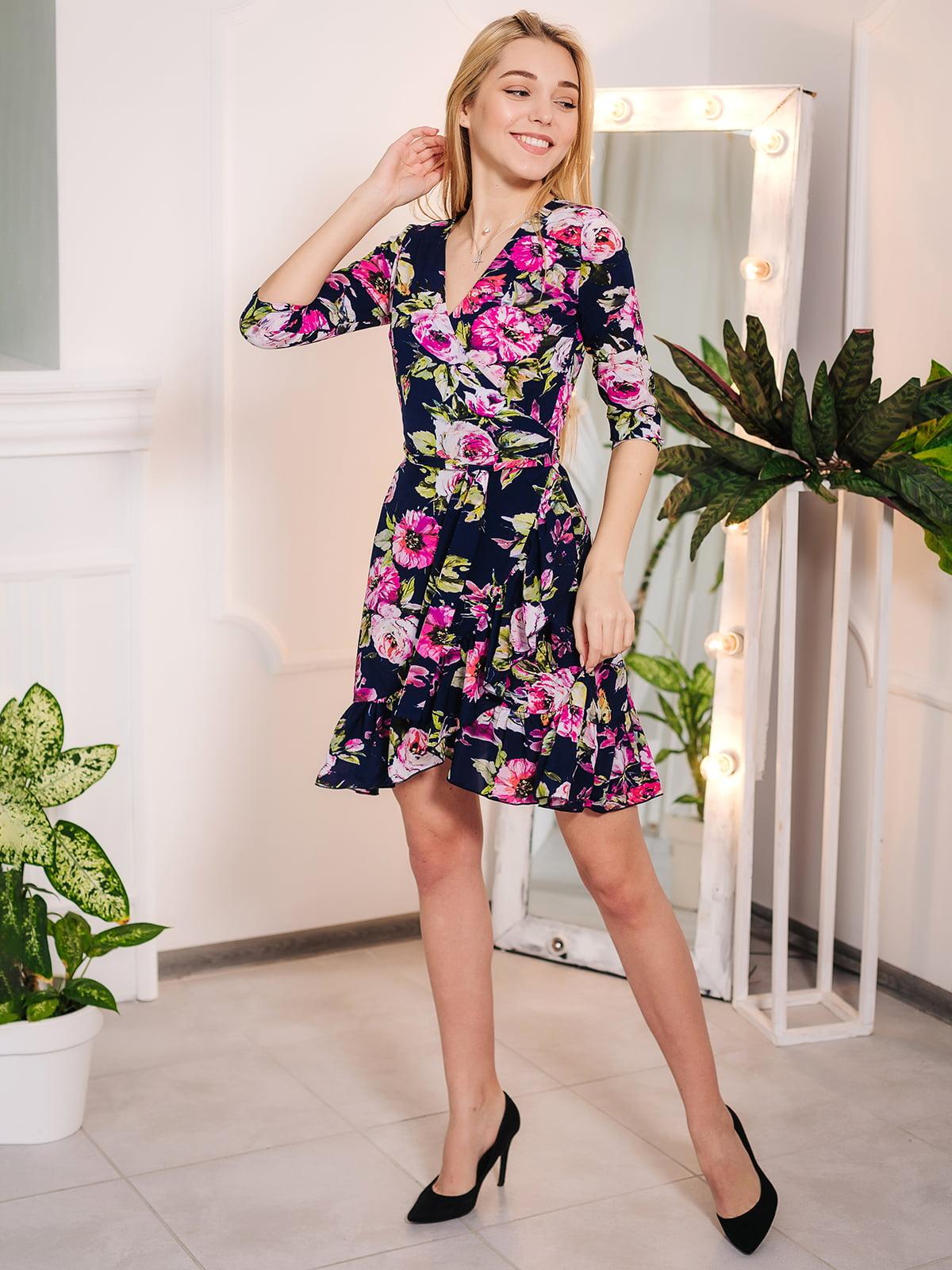 Платье в цветочный принт   4985128
