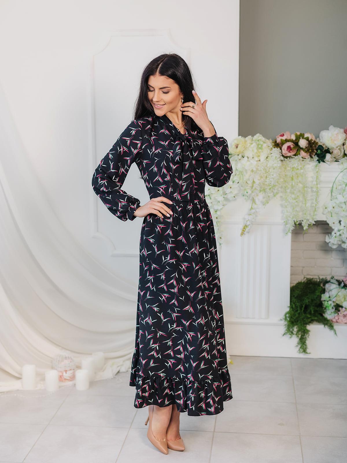 Платье черное в принт | 4985129
