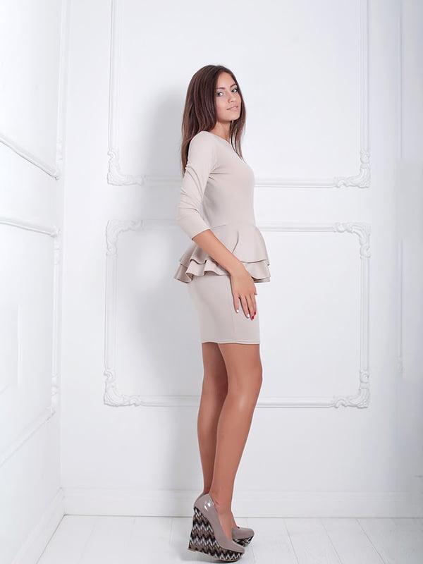 Платье бежевое | 5036924