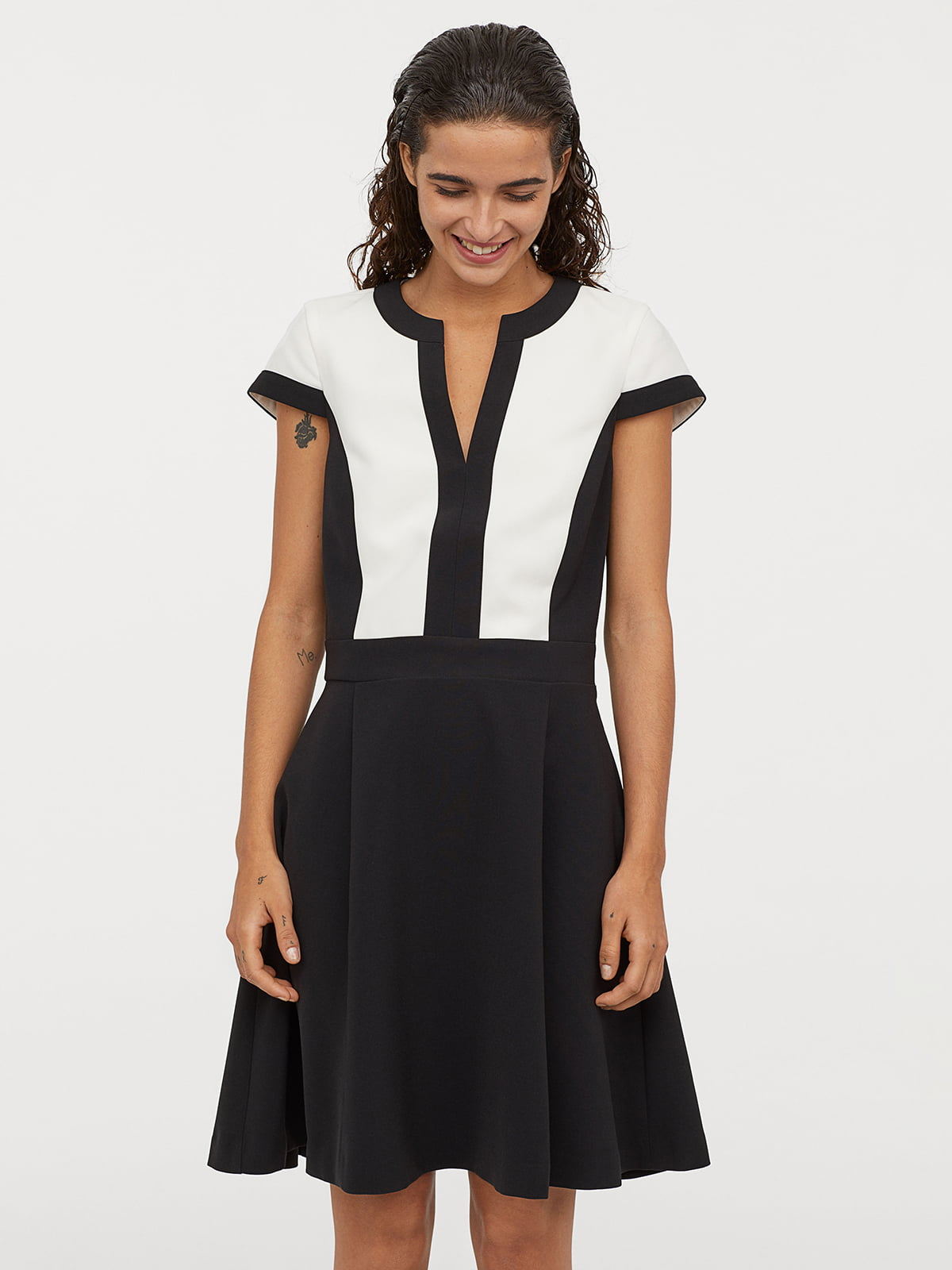 Платье бело-черное   5046553