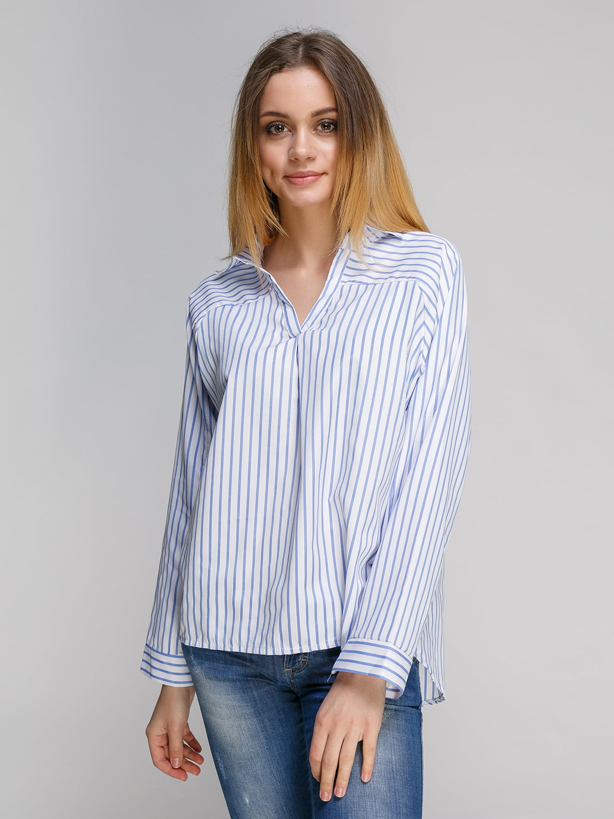 Рубашка голубая в полоску   4341442