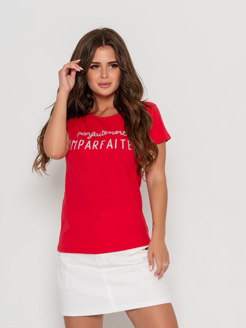 Футболка красная с принтом | 5096682