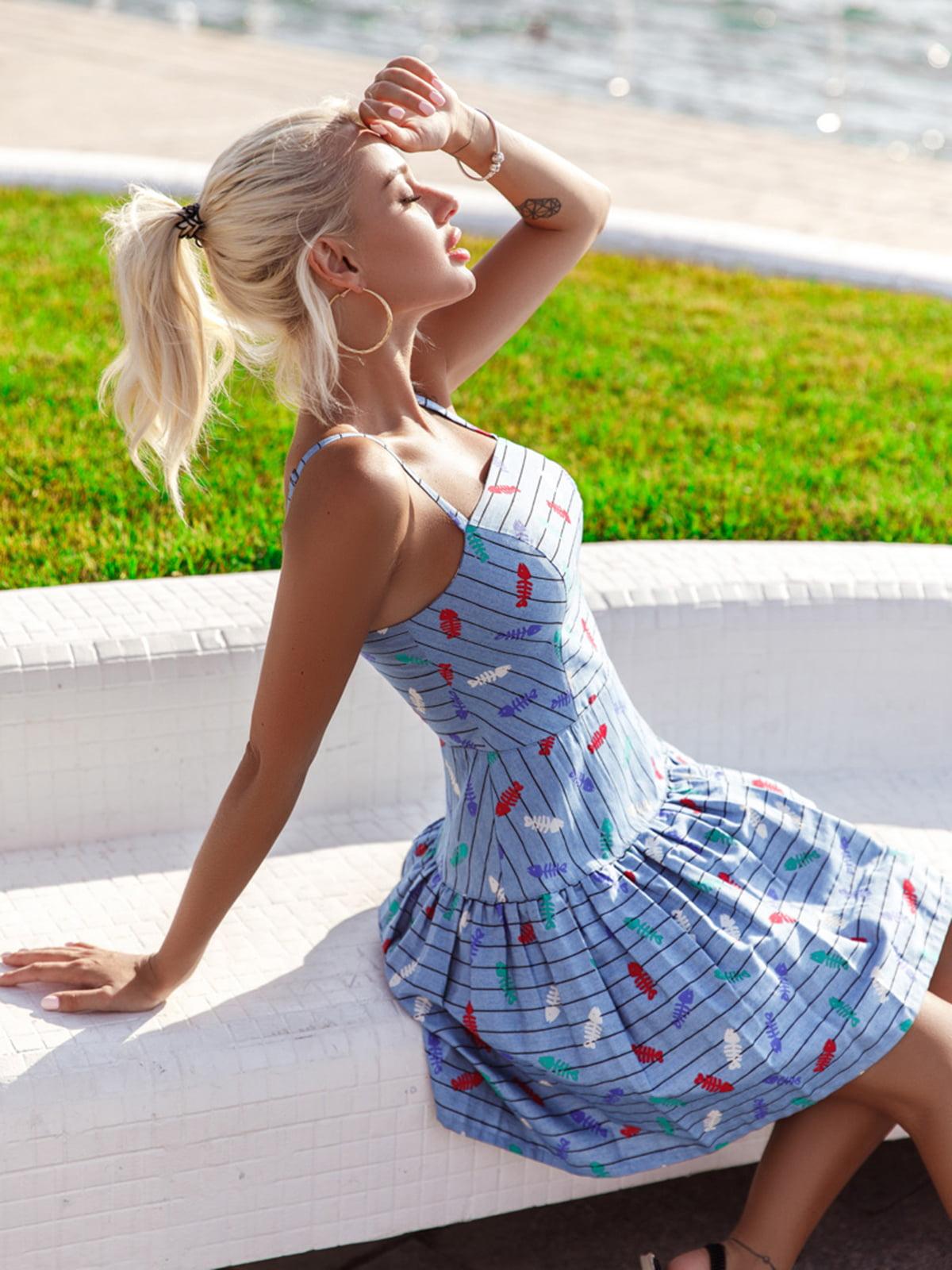 Платье голубое в принт | 5136841