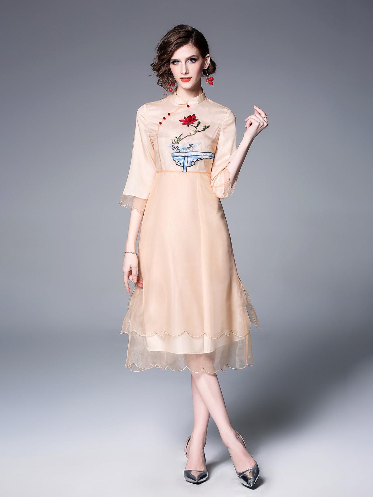 Платье абрикосового цвета   5155277