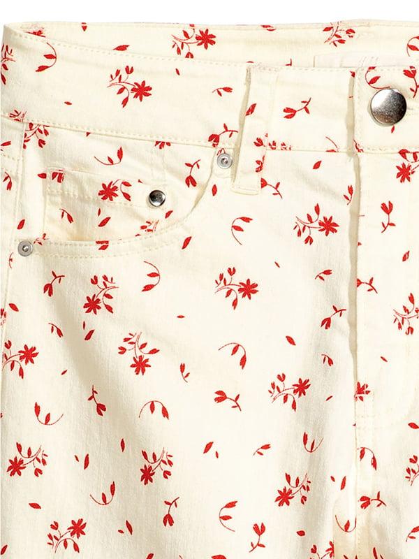 Джинсы белые в цветочный принт | 5173124