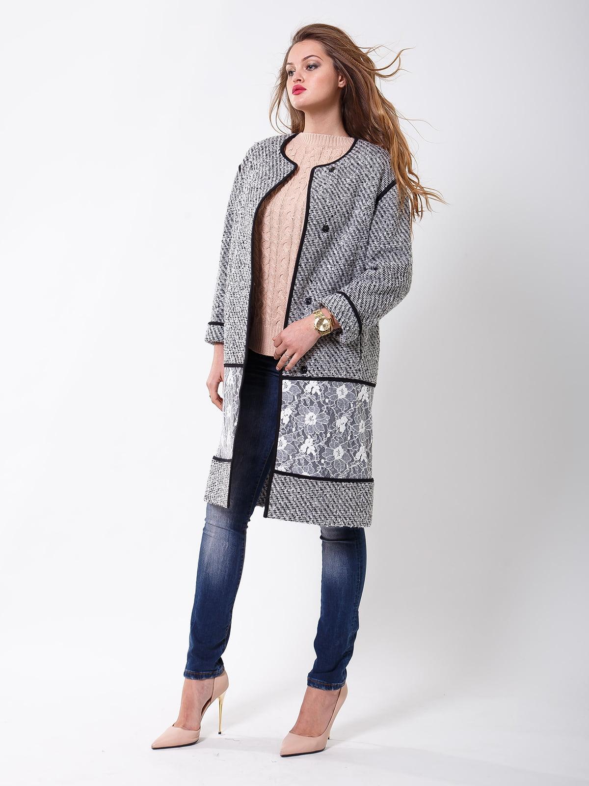 Пальто бело-черное с цветочным рисунком   5180049