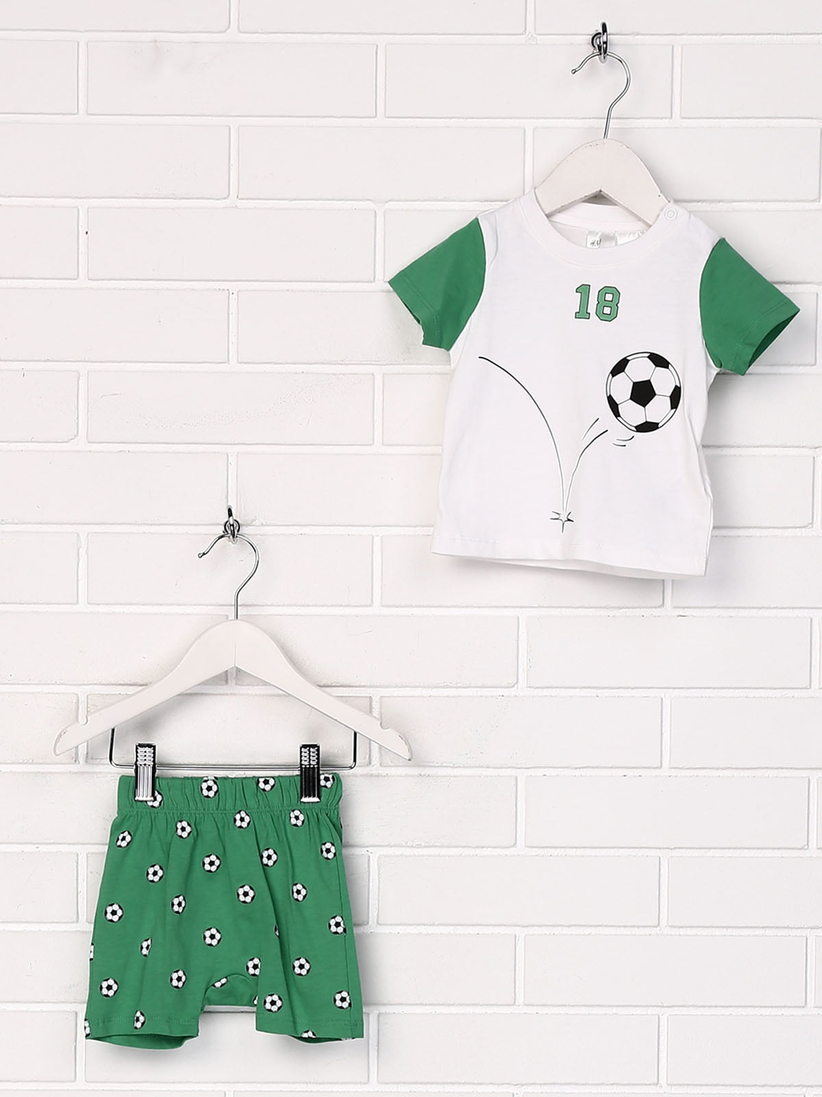 Комплект: футболка та шорти | 5197097