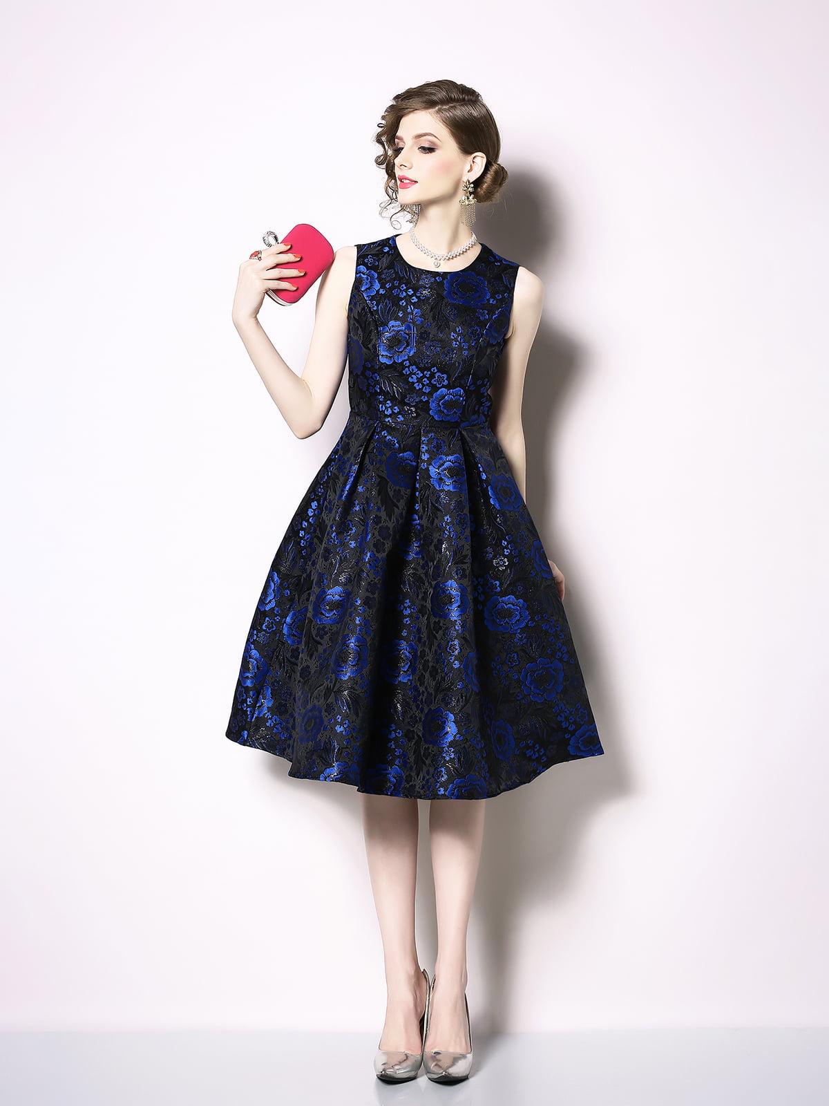 Платье в цветочный принт   5209354
