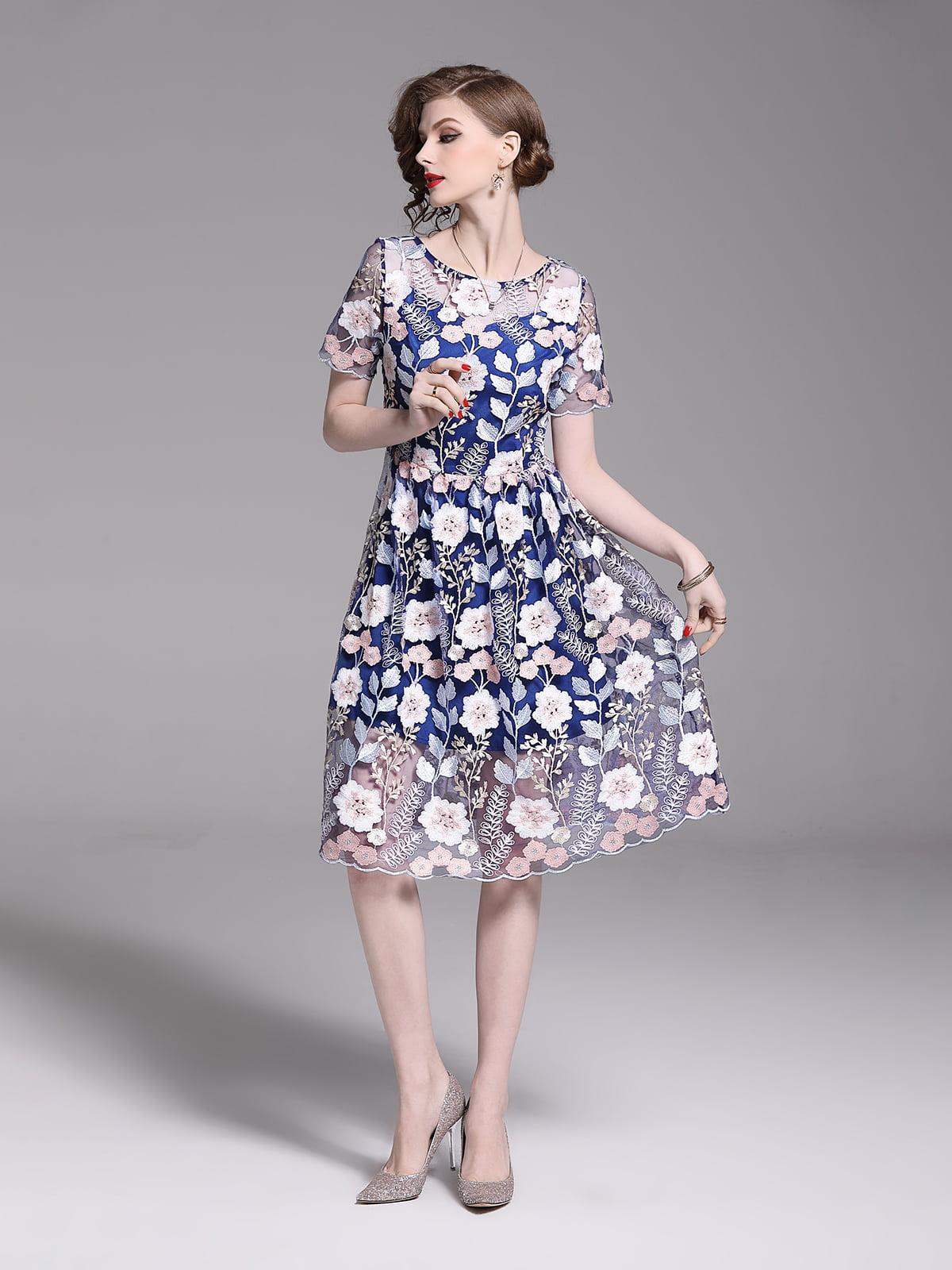 Платье в цветочный принт | 5209409