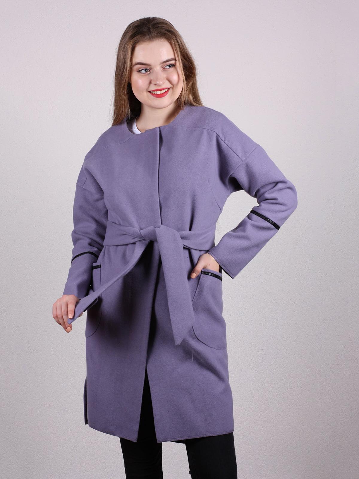 Пальто сиреневого цвета   5205200